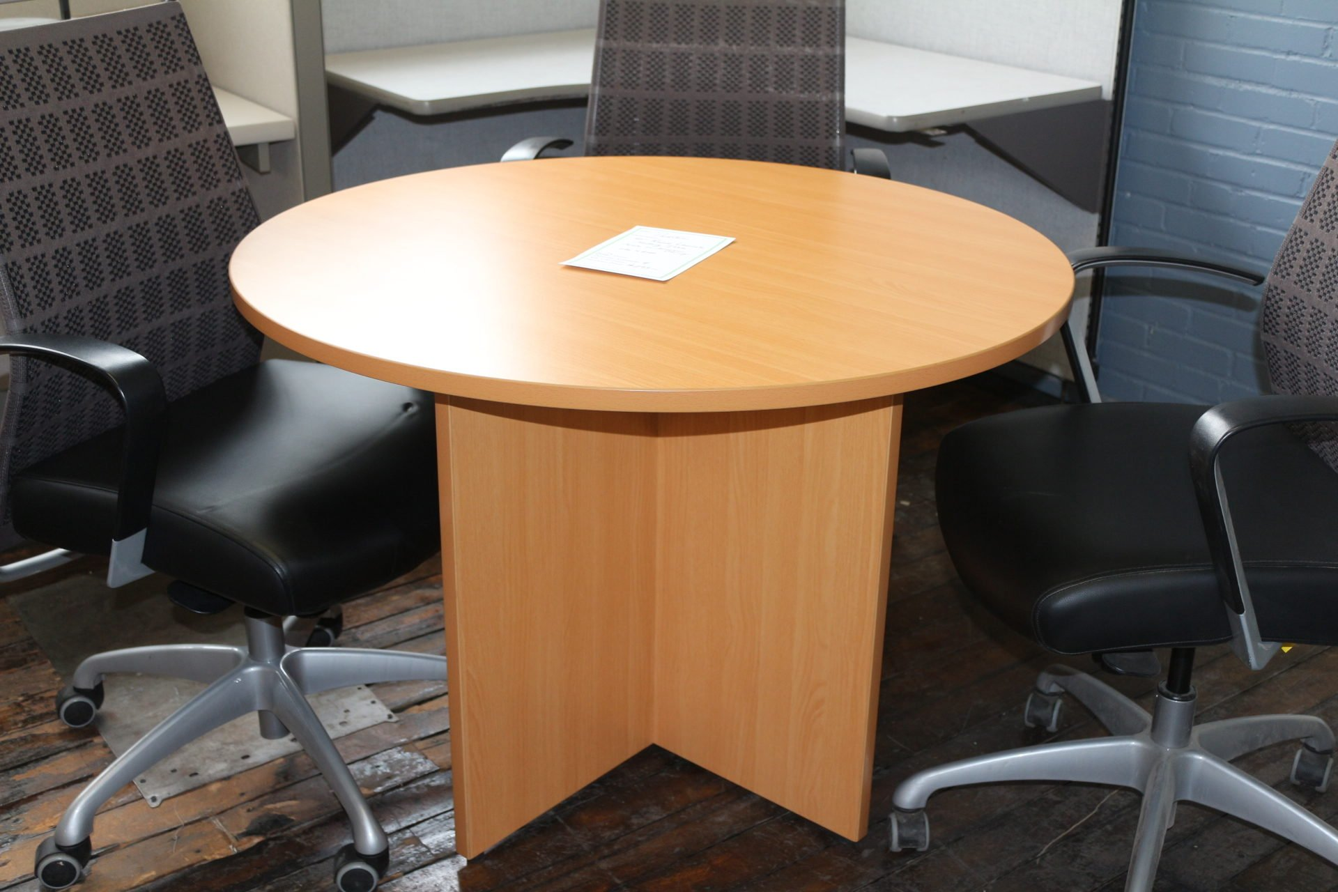 Peartree 42″ Laminate Round Meeting Table
