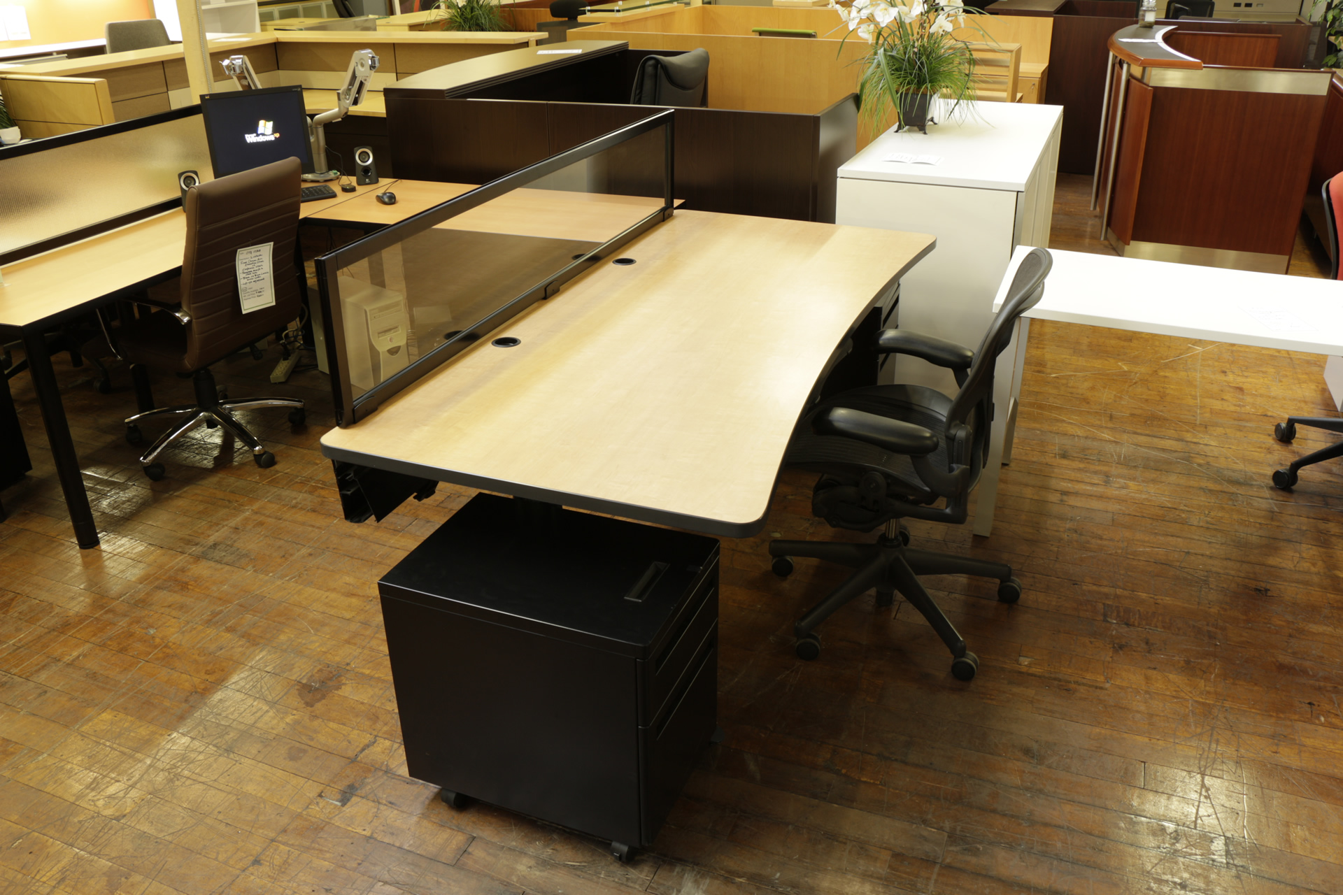 Knoll Freestanding Open Plan Workstation