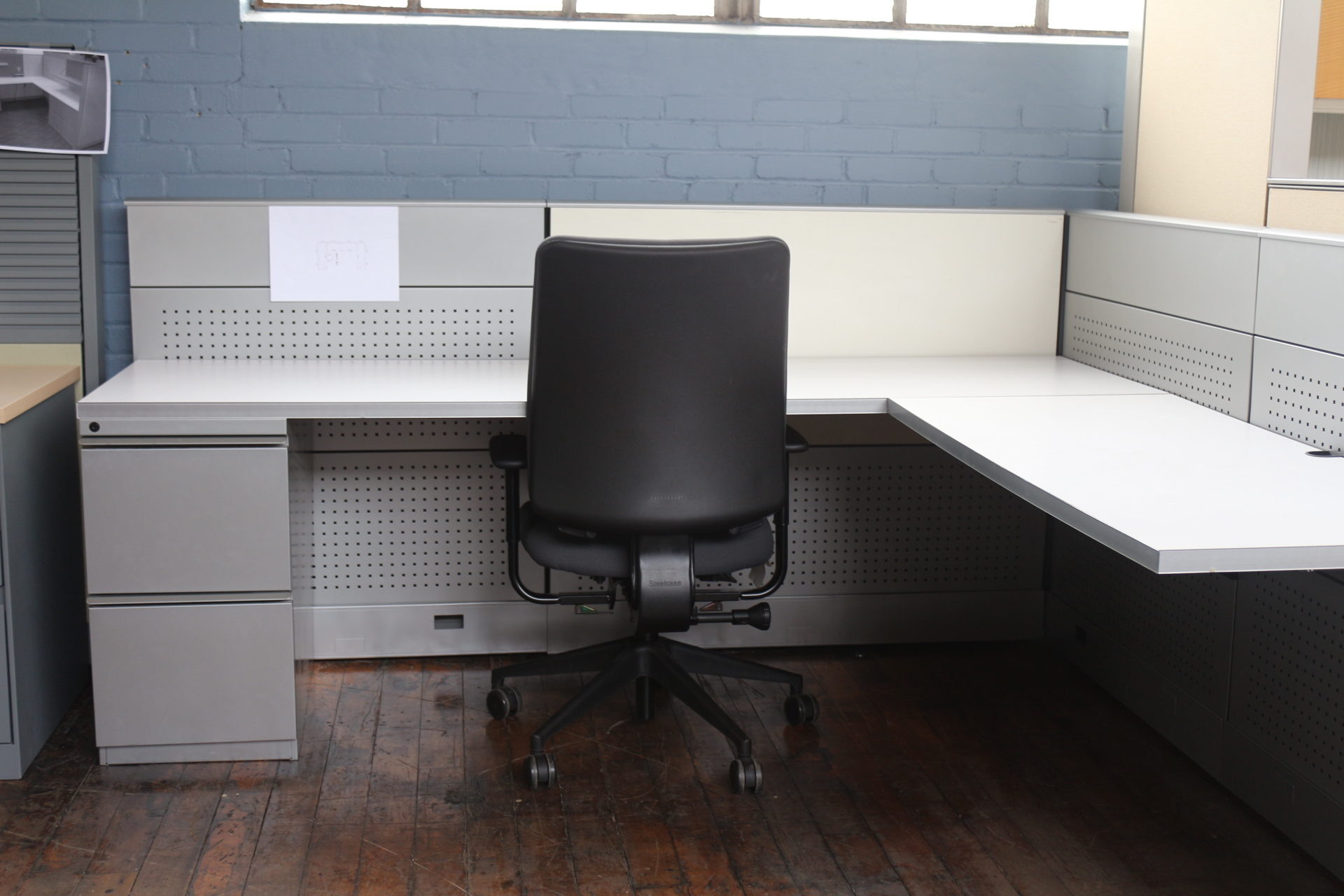 Knoll Dividends Cubicle