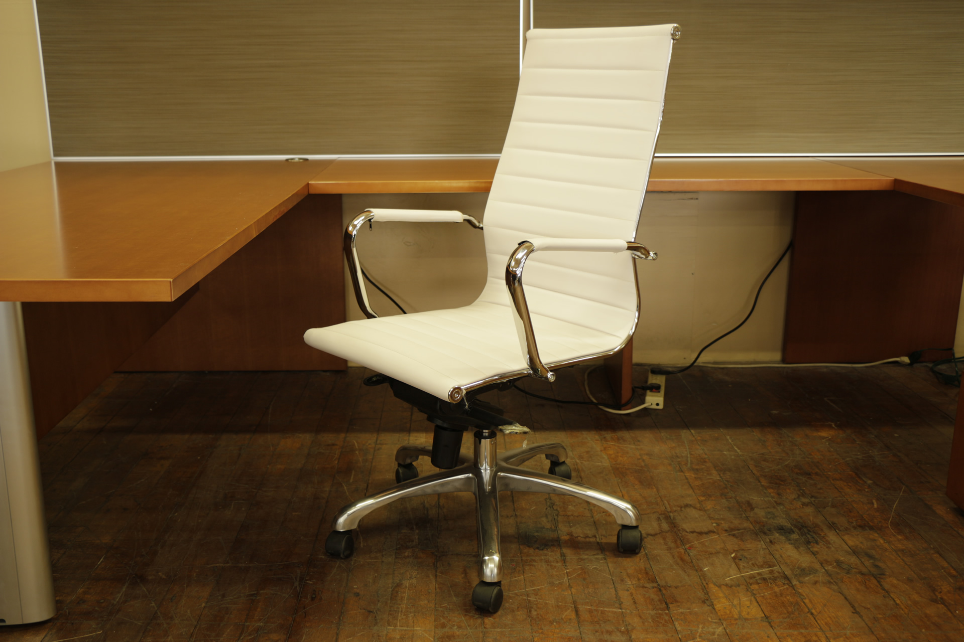 "Dale ""Vogue"" High-Back White Faux Leather & Chrome Executive Chair"