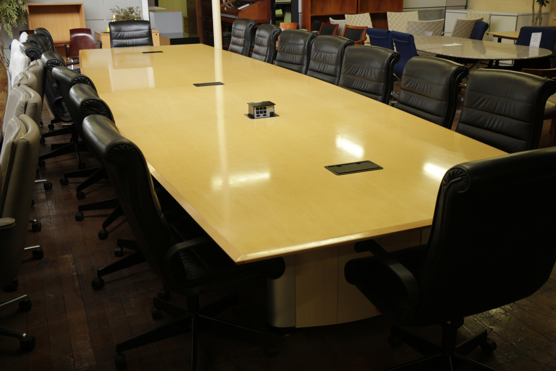 Nienkamper Vox 20′ Maple Conference Table with Power & Data Forums
