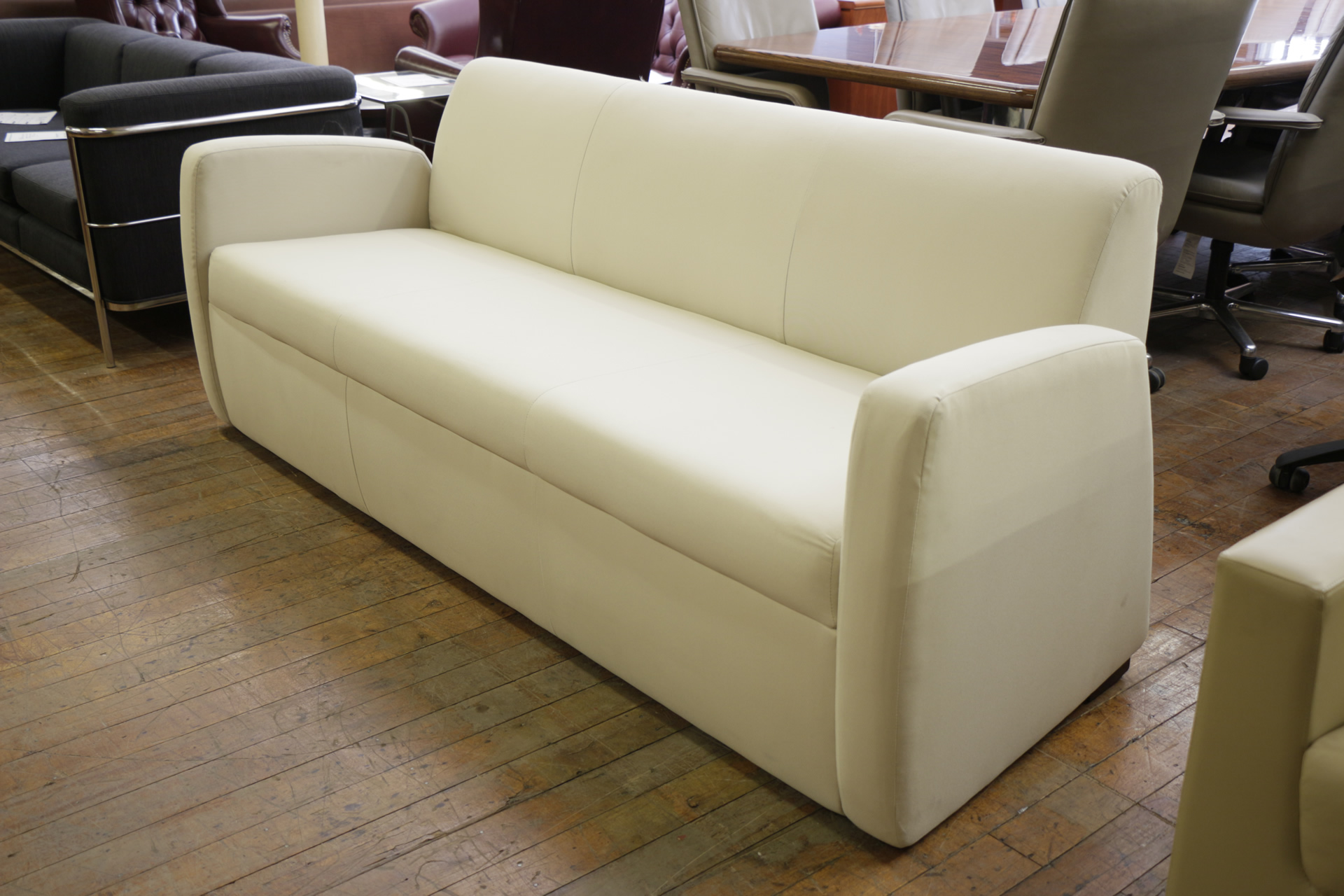 Paoli White Fabric Sofa – CAL133 Compliant