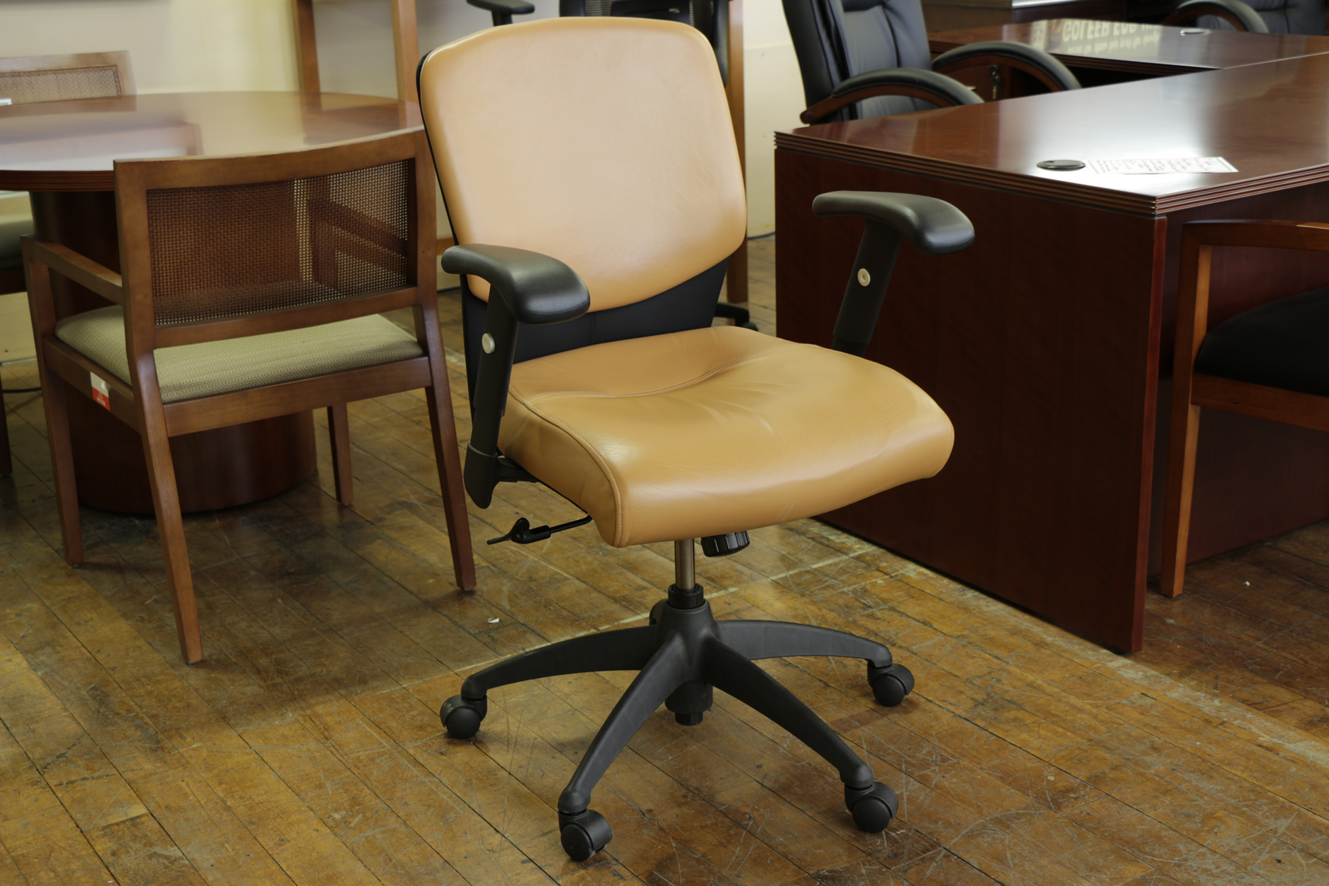 SitOnIt Leader Mid-Back Toffee Vinyl Task Chairs
