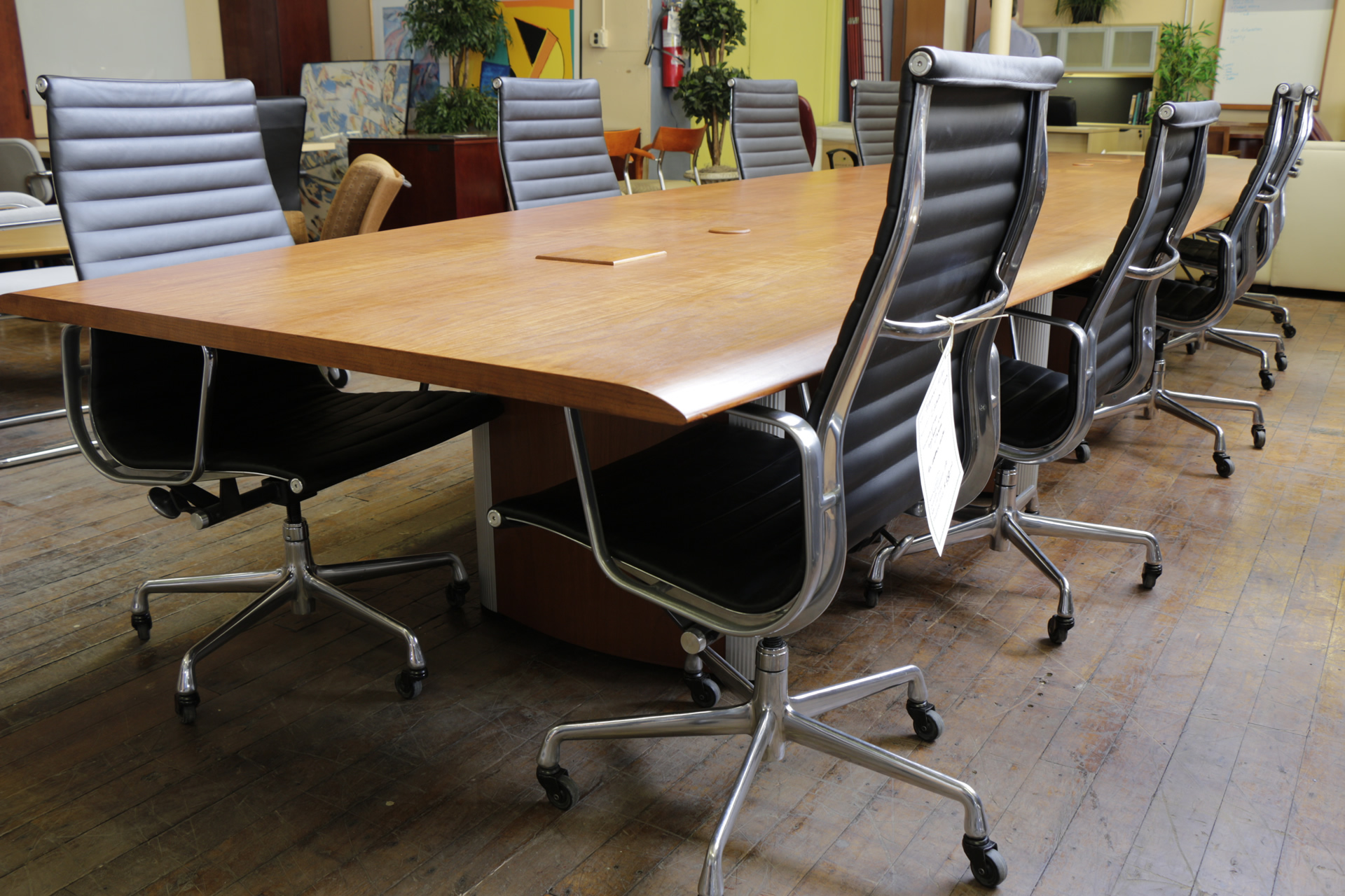 Nienkamper Vox 17′ Natural Cherry Conference Table
