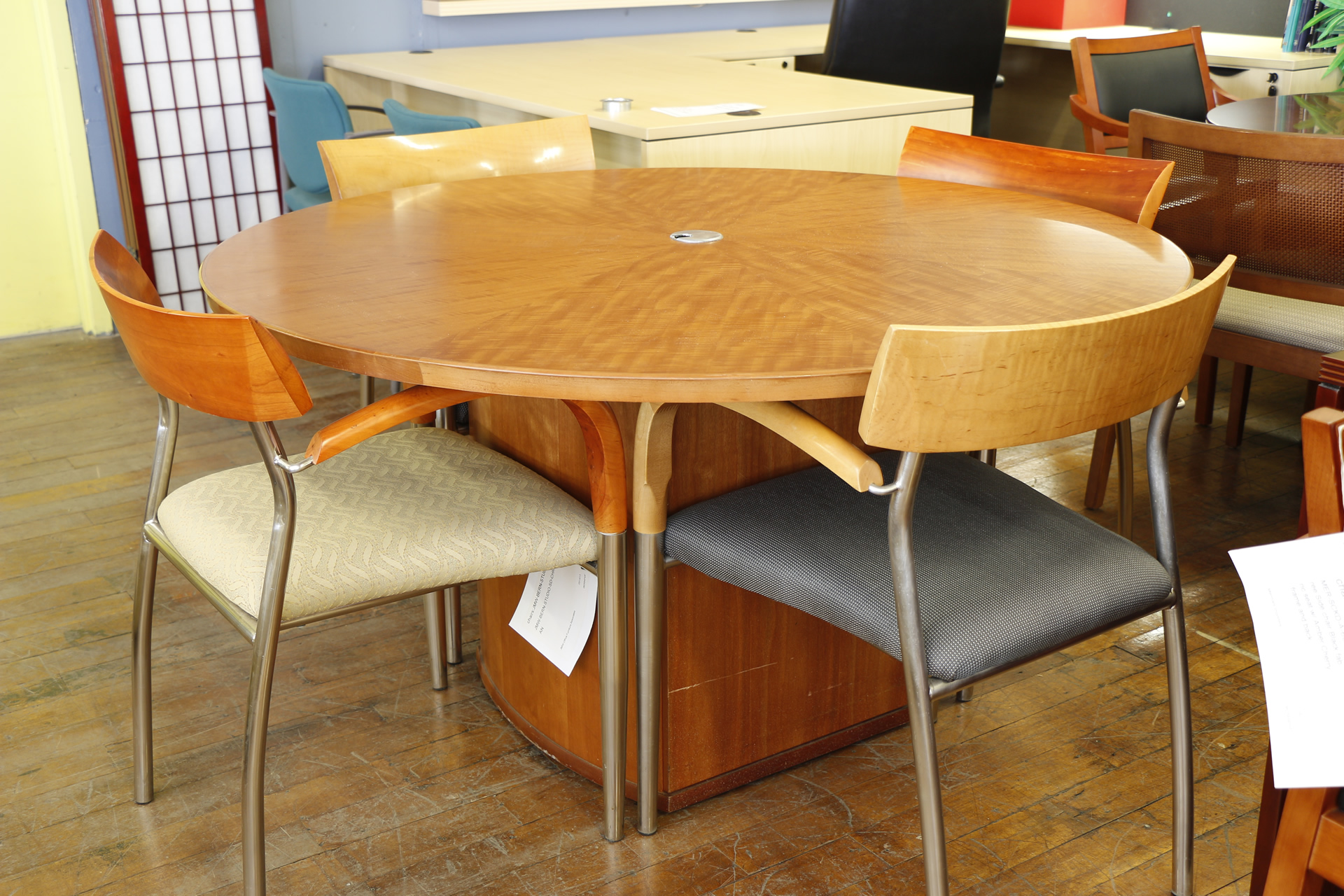 Bernhardt 54″ Round Anigre Meeting Table