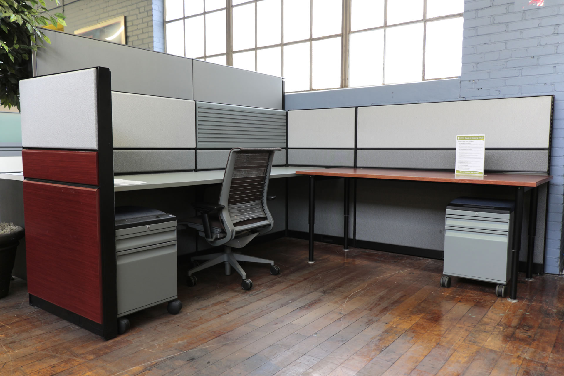 Teknion TOS 8′ x 7.5′ Cubicles with Cherry Panels