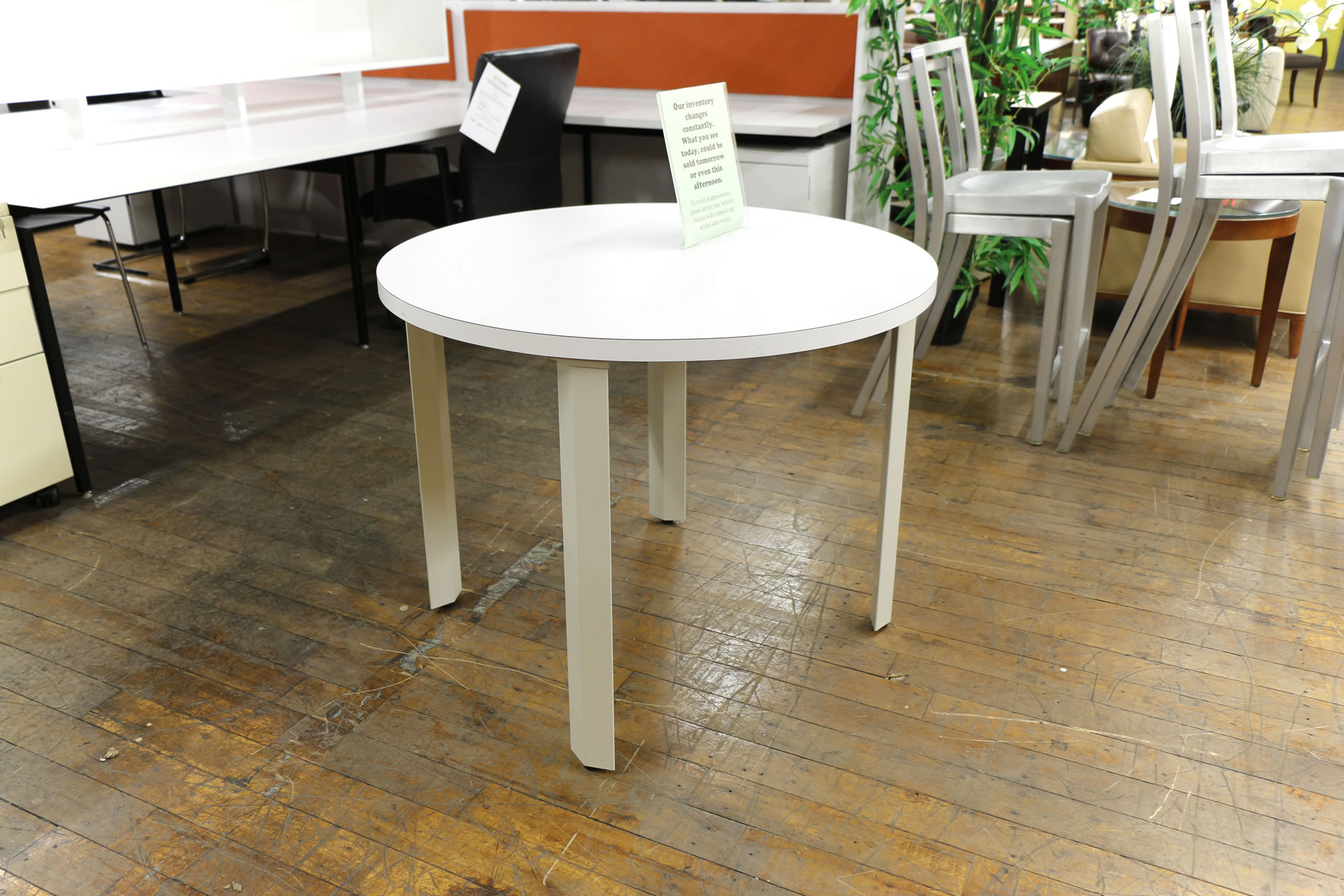 Knoll White Round Tables, 36″ & 42″