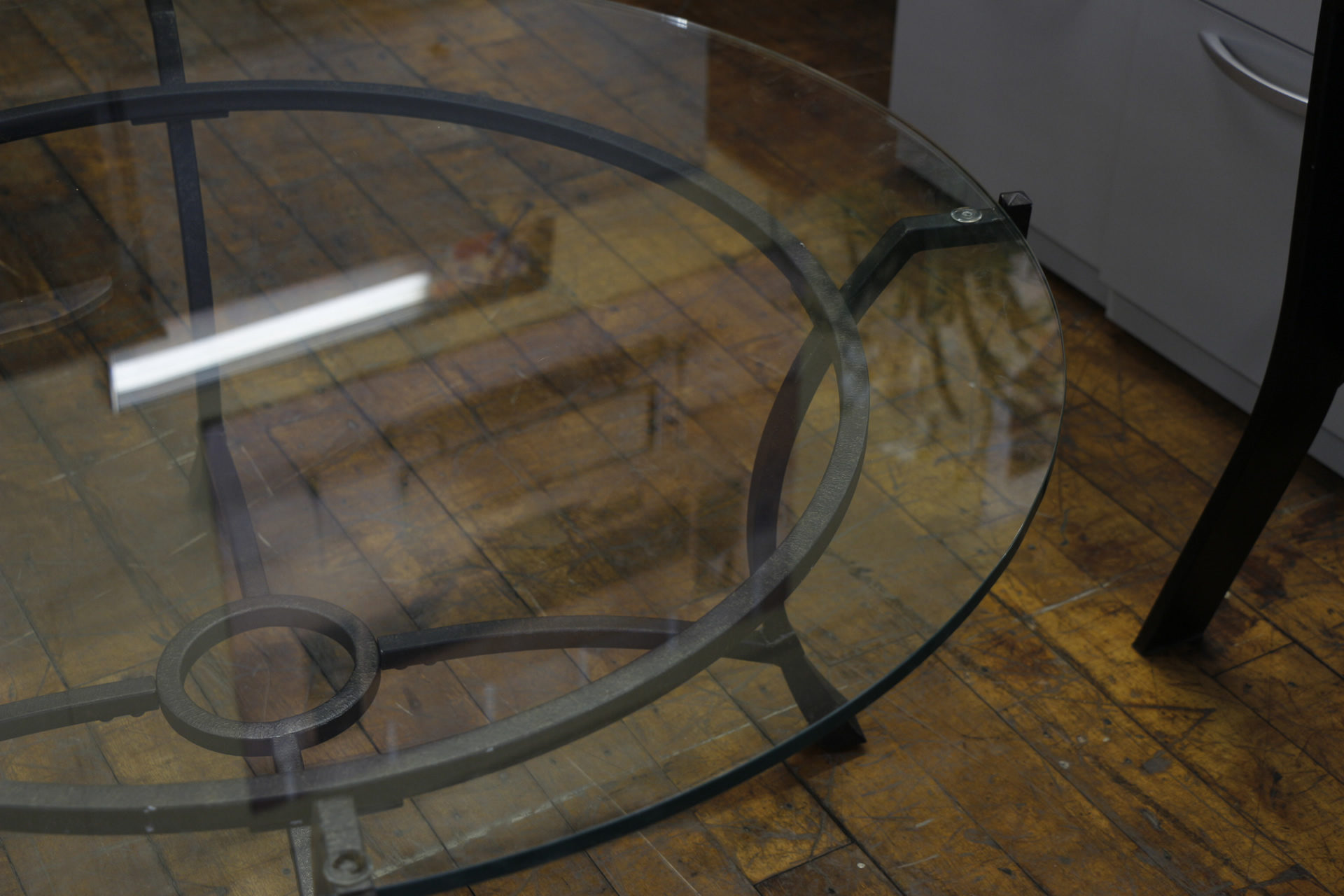 42″ Diameter Glass Top Table