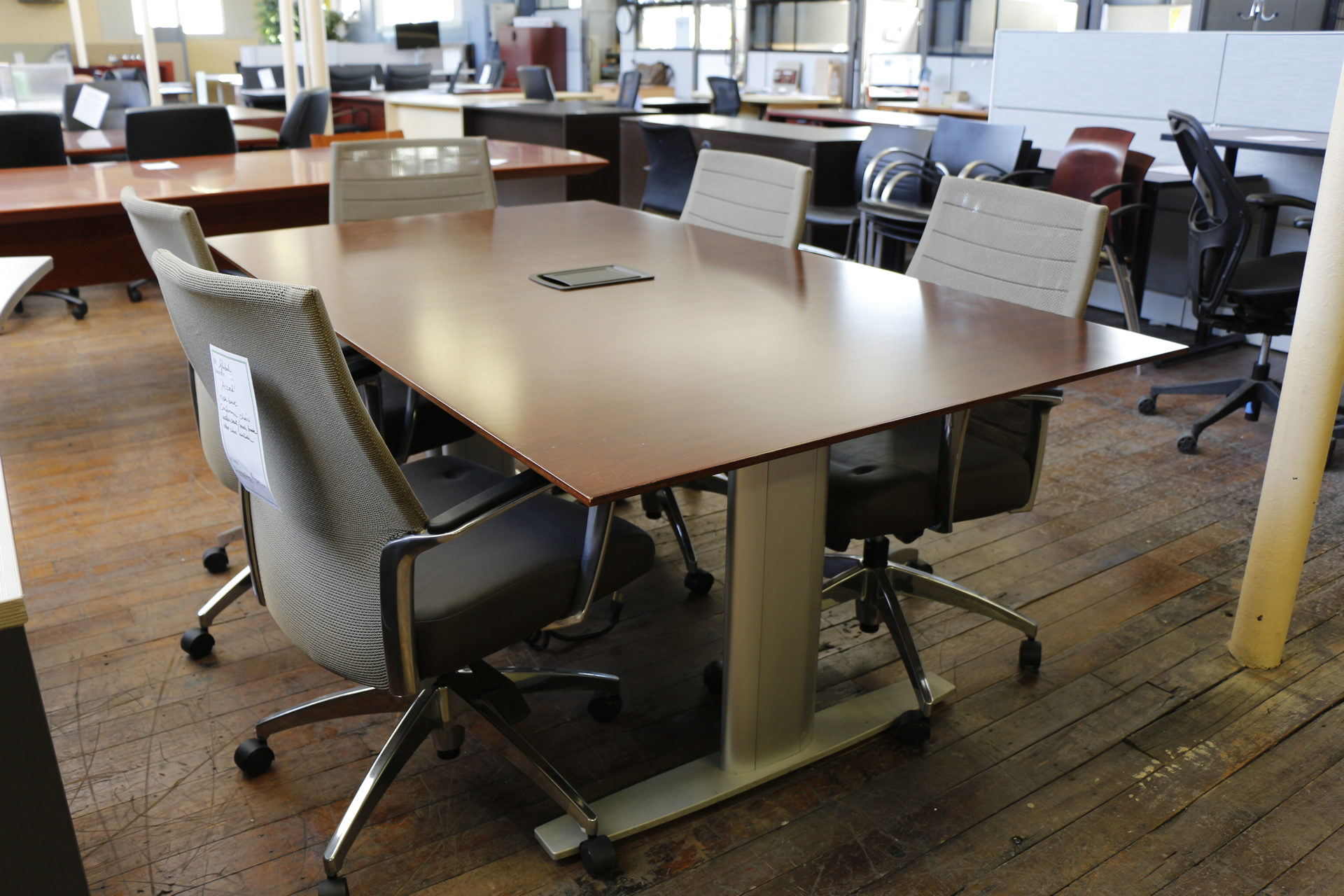Bernhardt Entity 6′ Conference Table