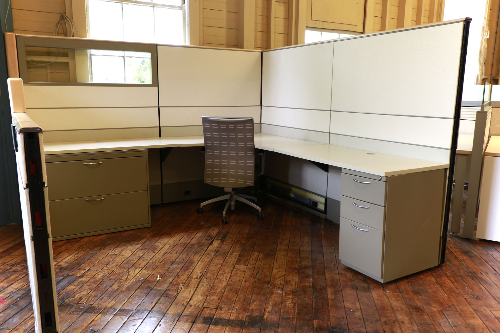 Ais Matrix 8 X 8 Cubicles Beige With Maple Trim