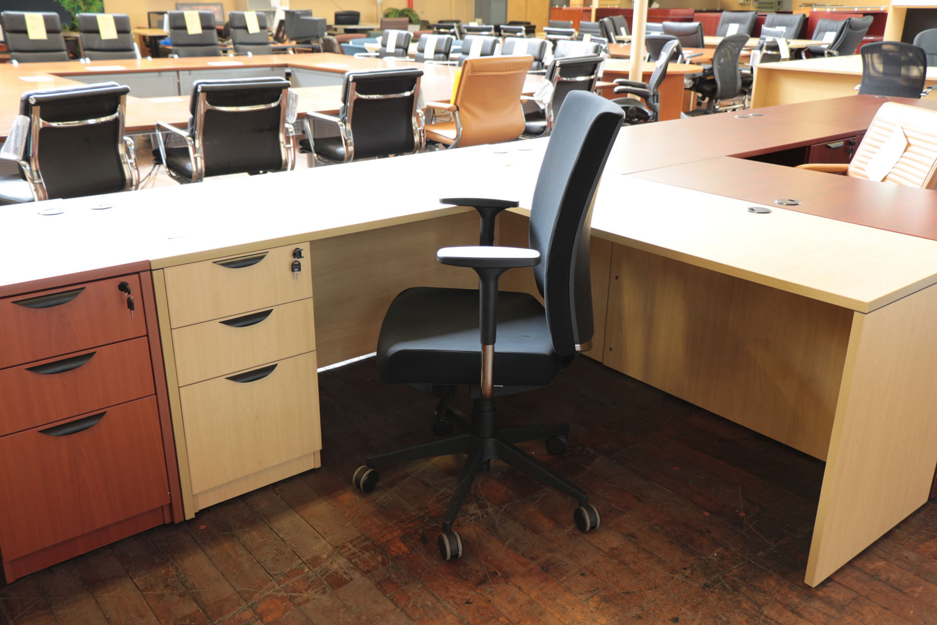 source international aes task chairs • peartree office furniture