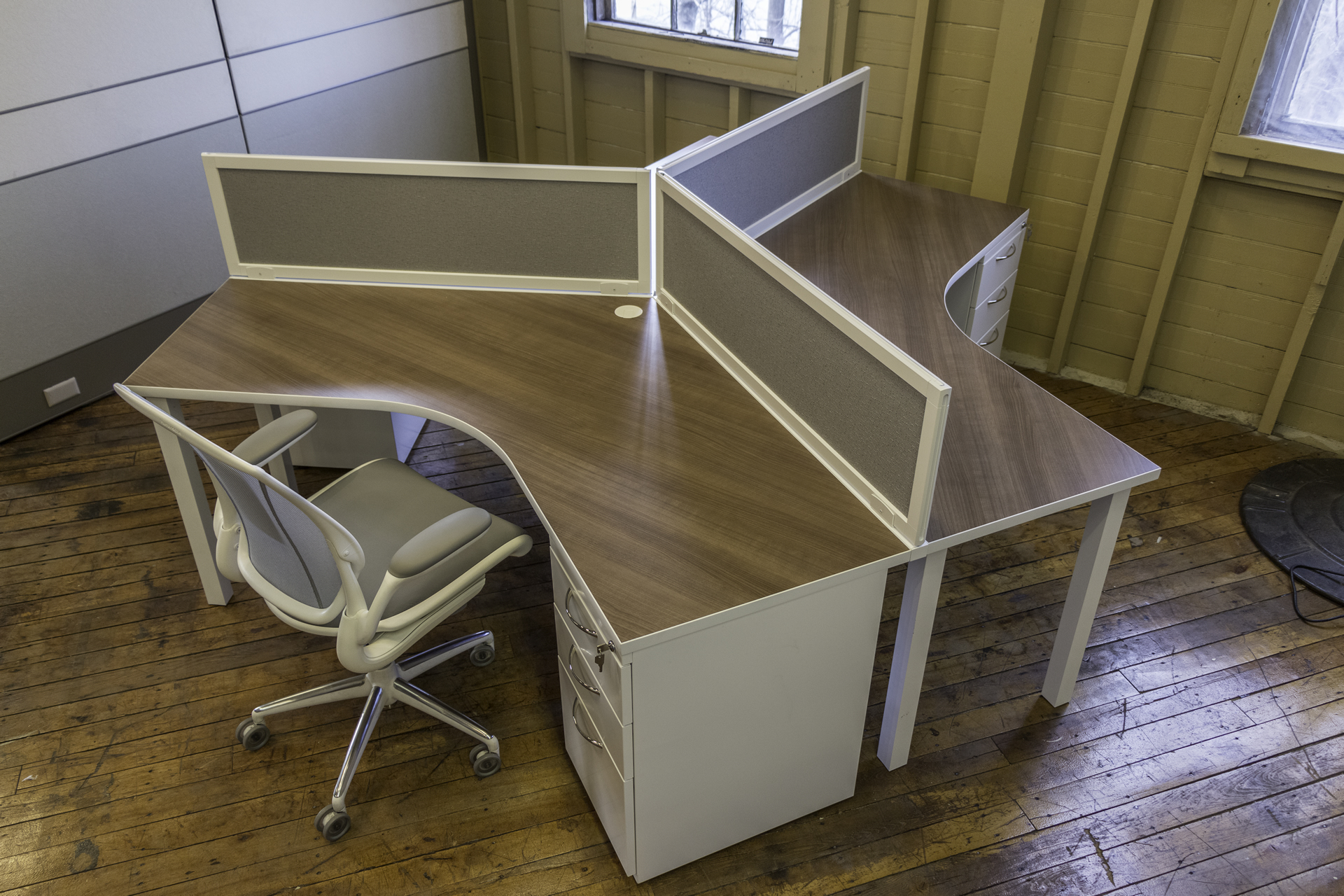 New Peartree Custom 3 Pod Workstations O Office Furniture