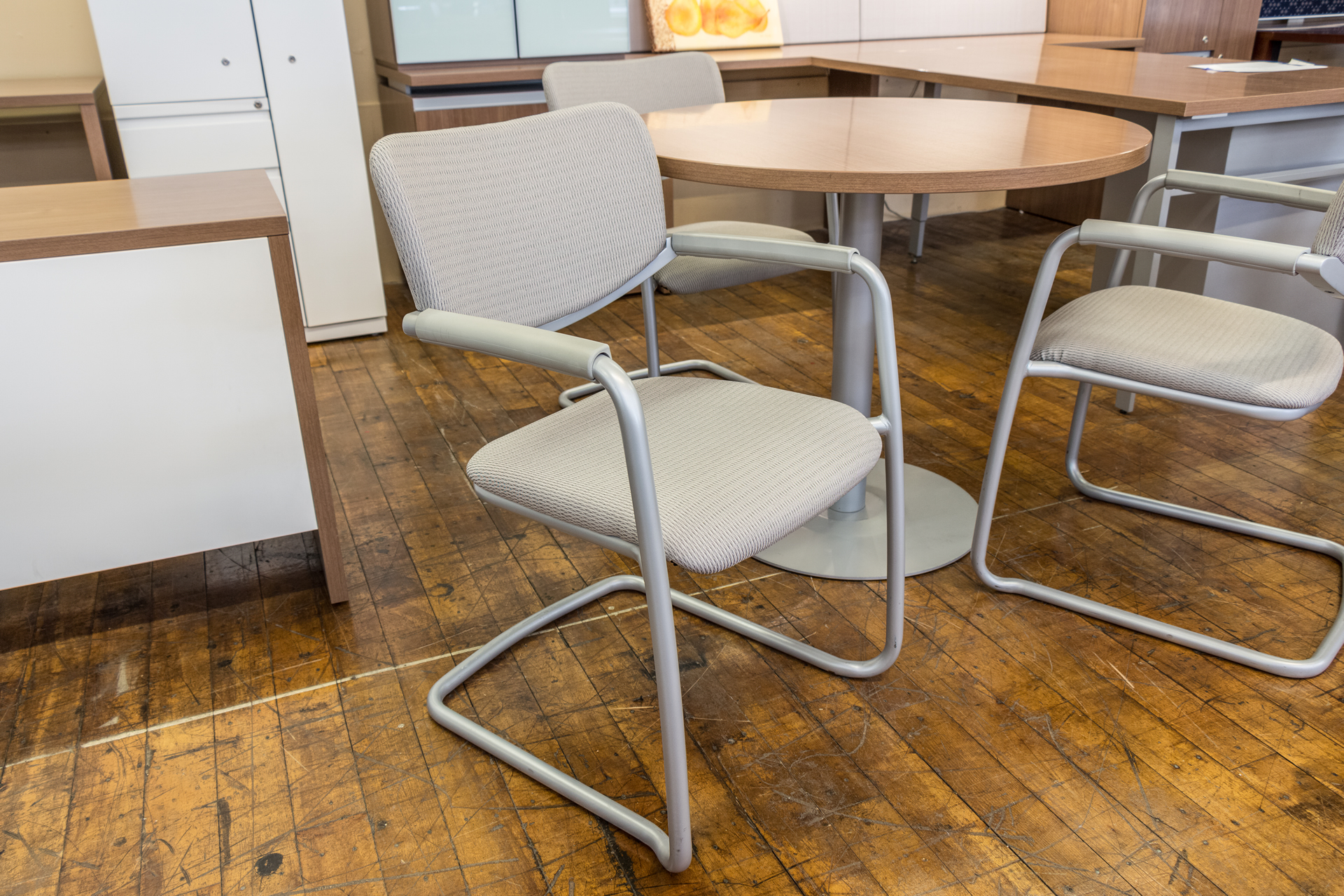 Haworth Zody Cantilever Visitors Chairs • Peartree fice Furniture
