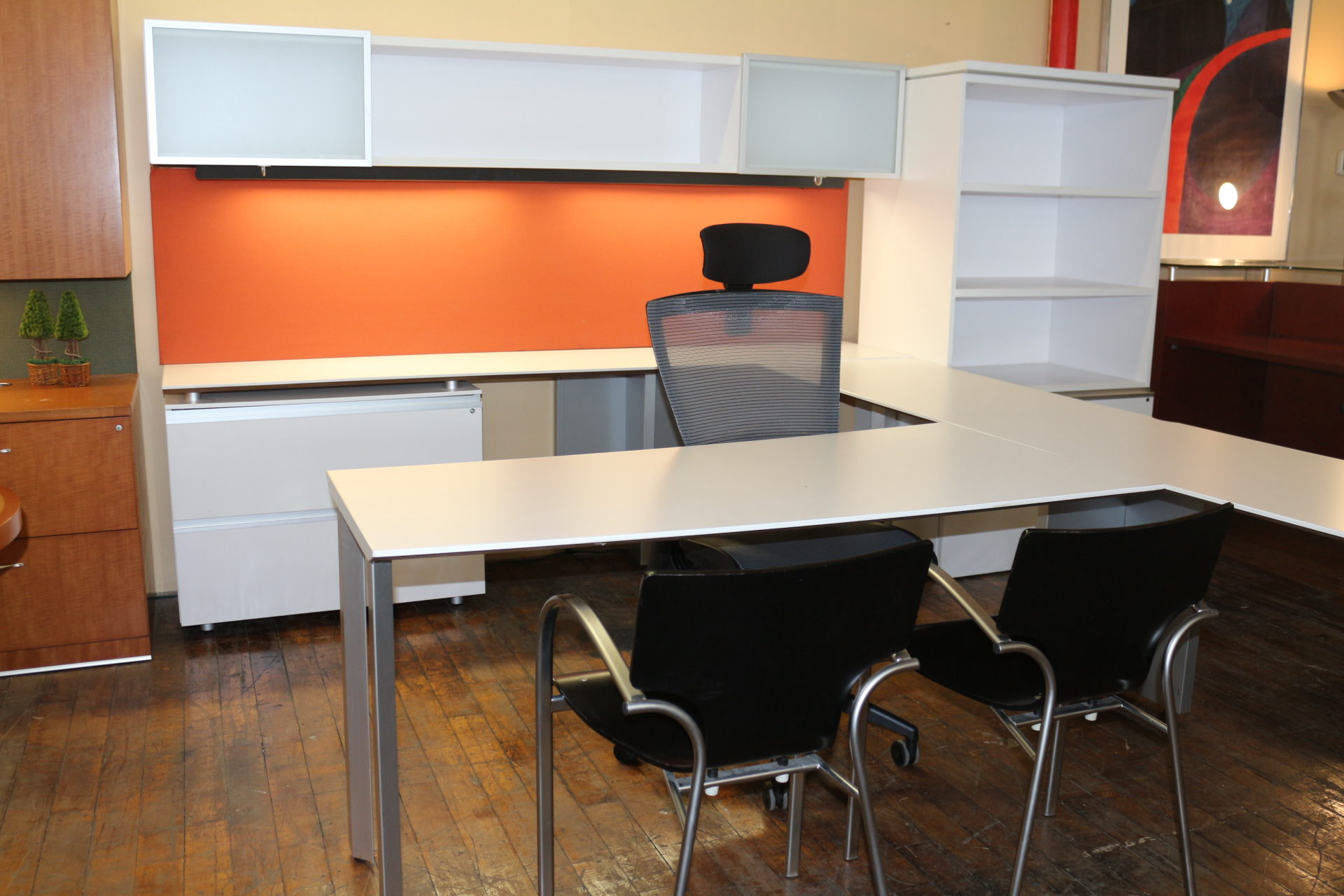 Knoll AutoStrada Executive Private Office Workstation