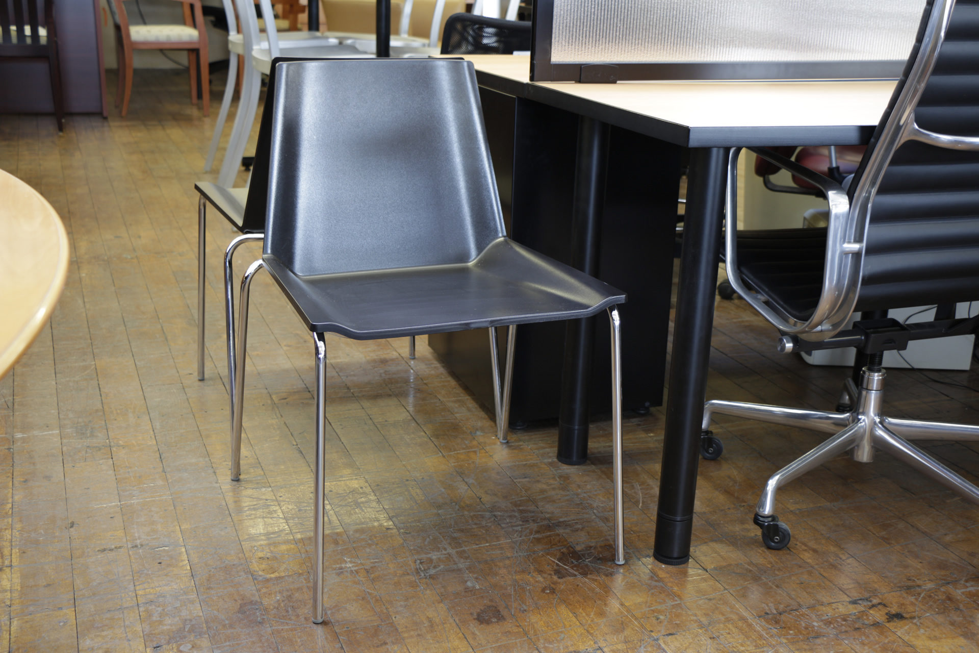 Bernhardt Audio Black Stacking Guest Chairs
