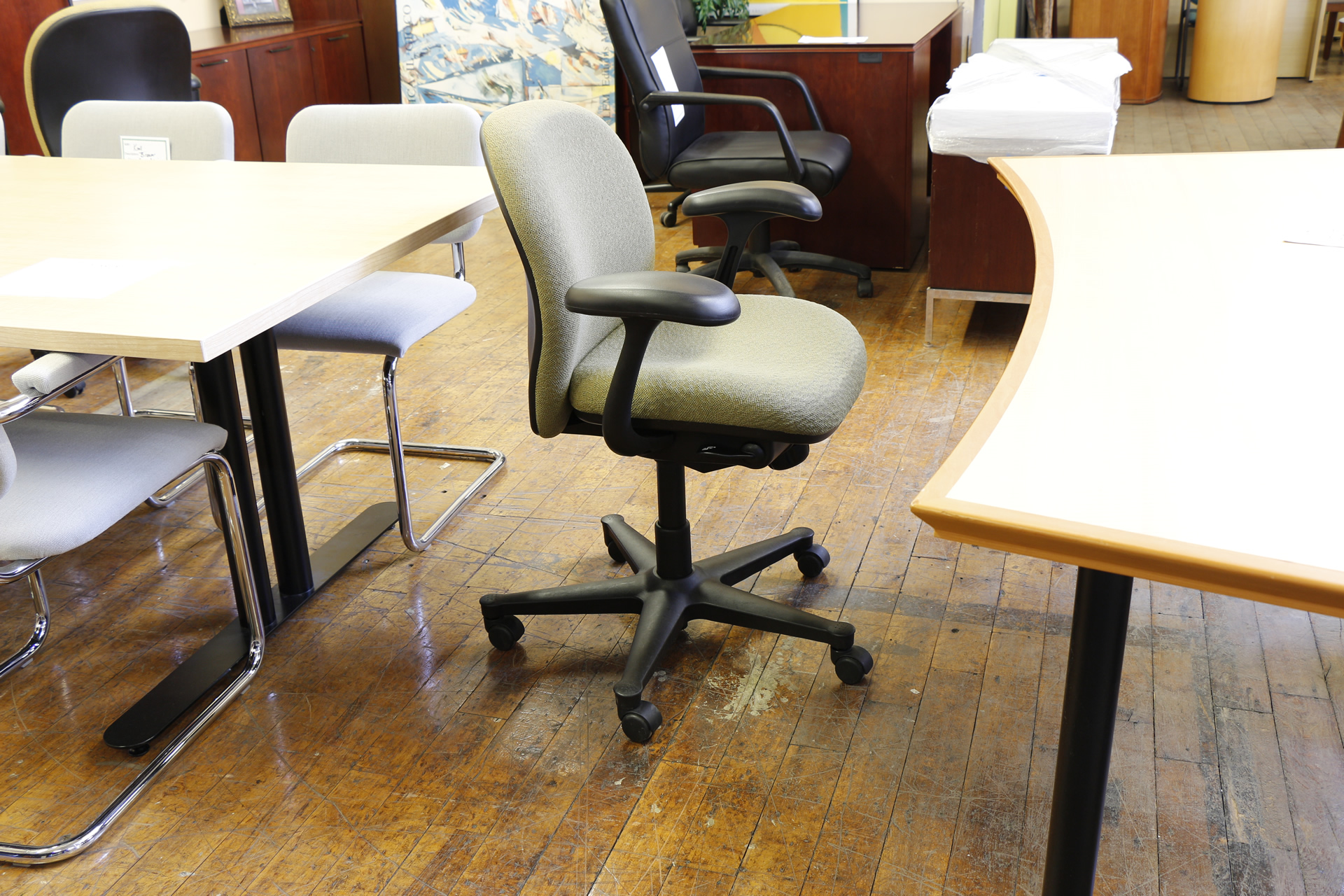 peartreeofficefurniture_peartreeofficefurniture_mg_4112.jpg