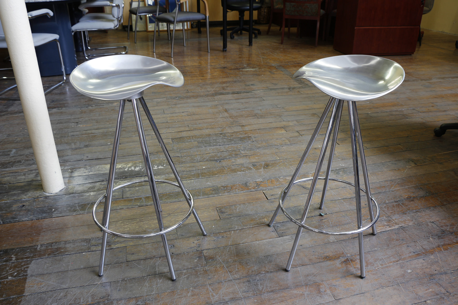 Knoll Jamaica Stools by Pepe Cortes – Counter Height