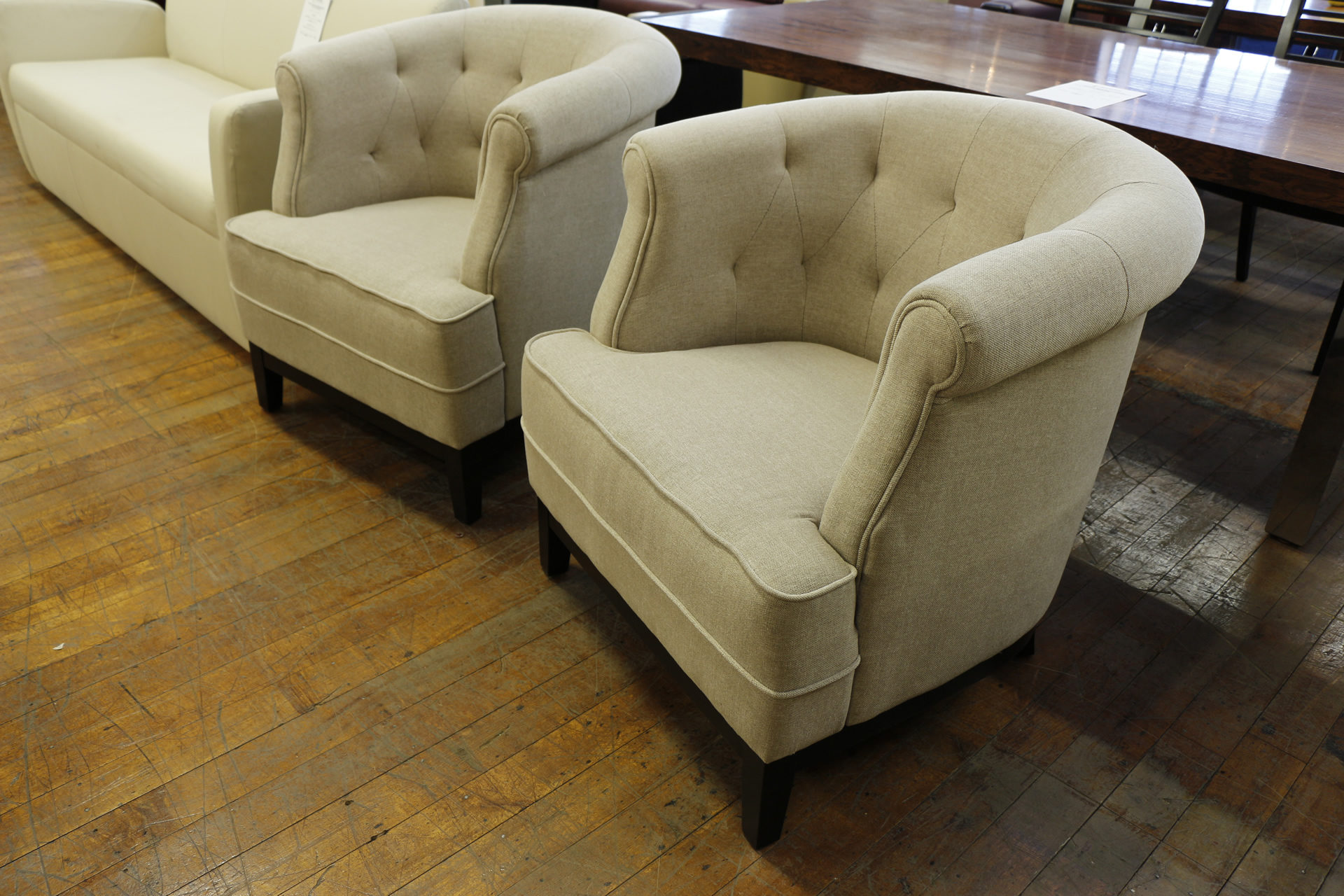 Meiyi Beige Tufted Fabric Club Chairs