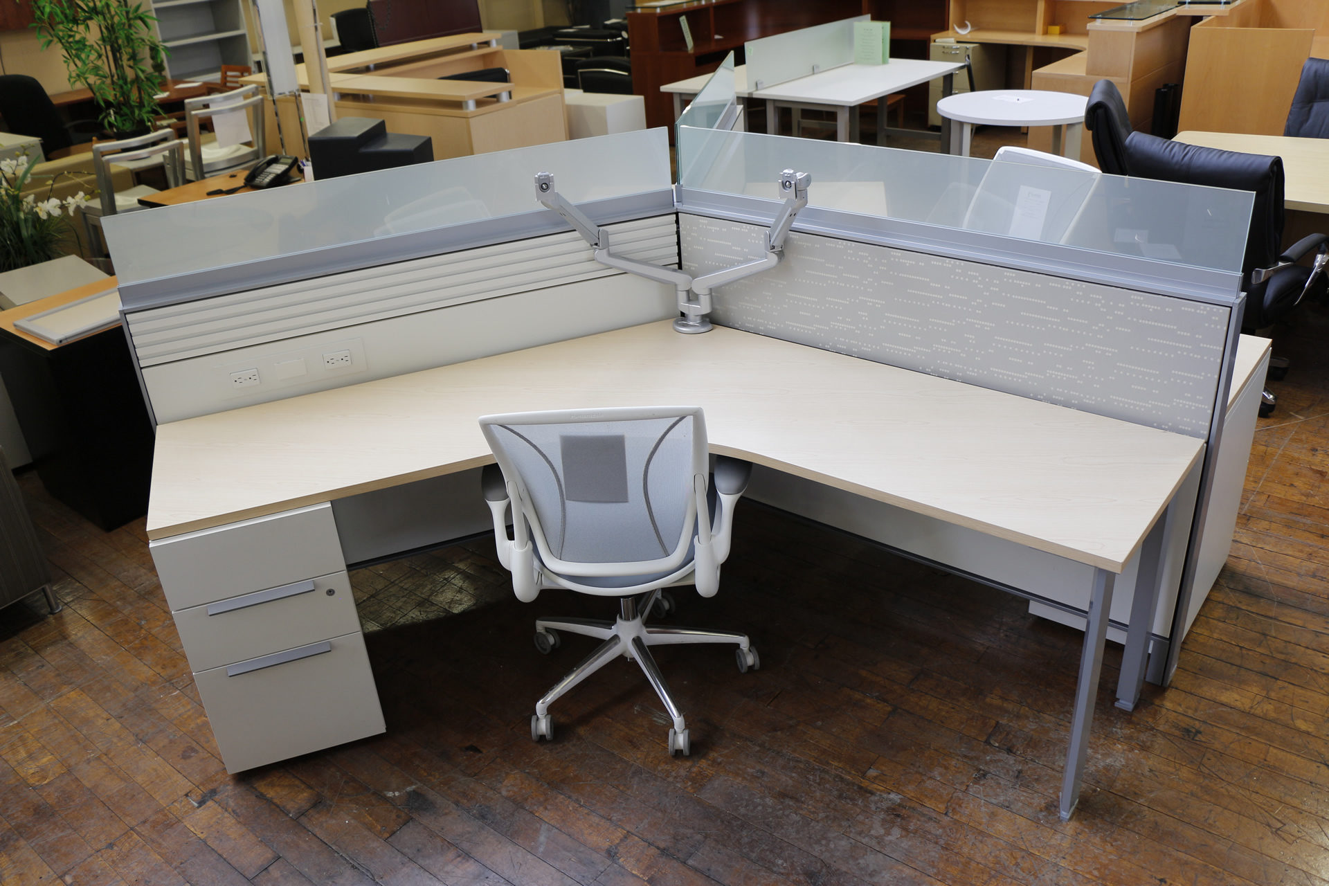 Teknion District Workstation Pods