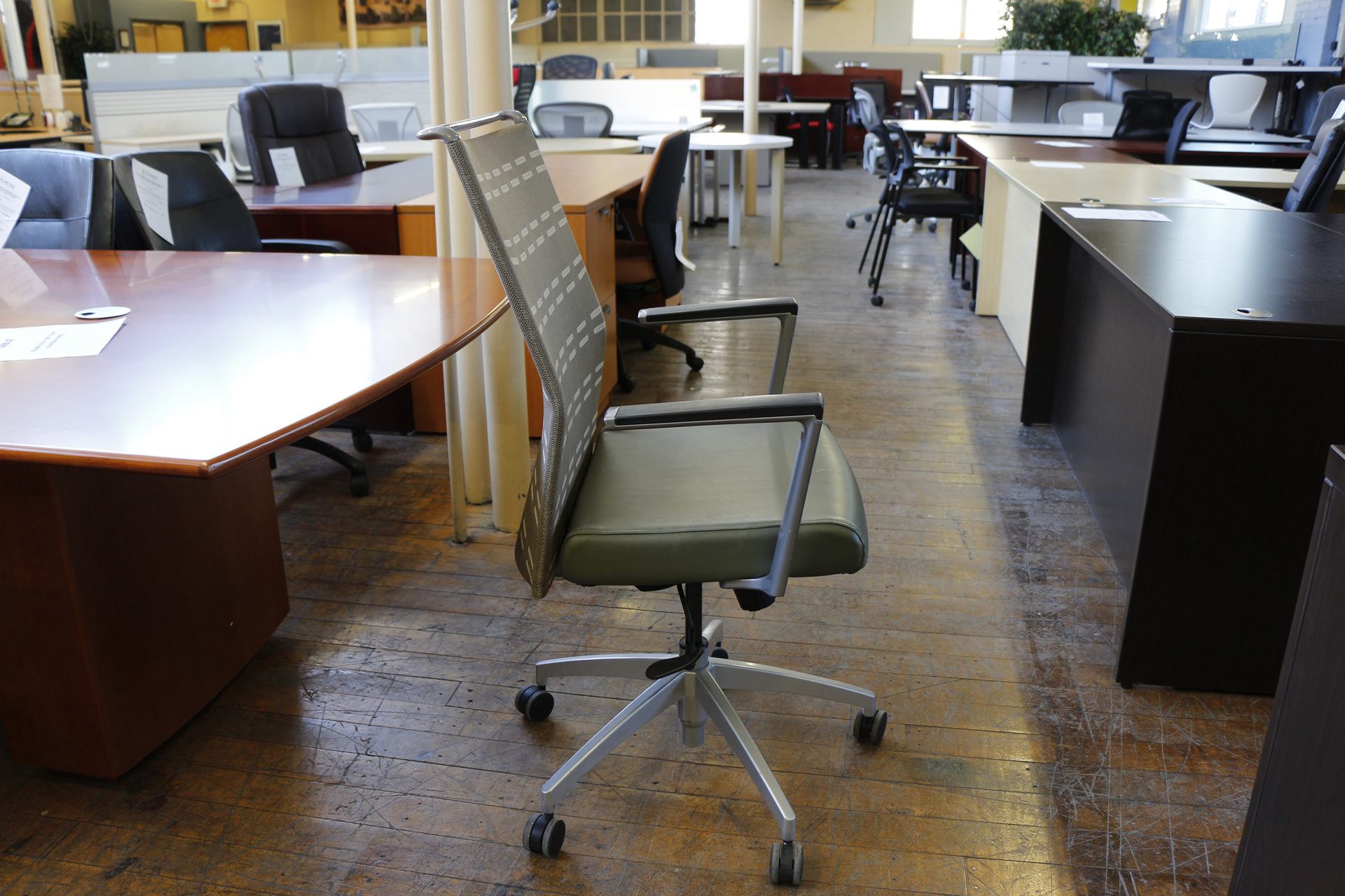 SitOnIt Sona Chairs