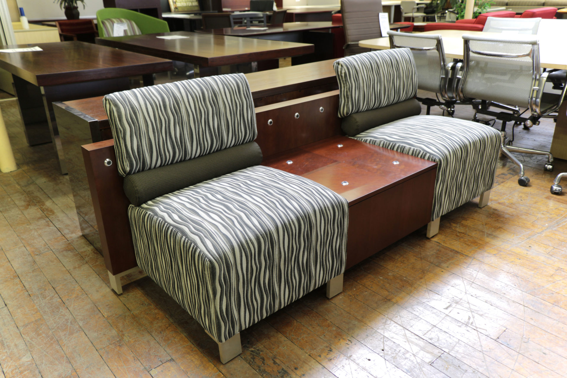 Kimball Delano 2-Seat Club with Connecting Table