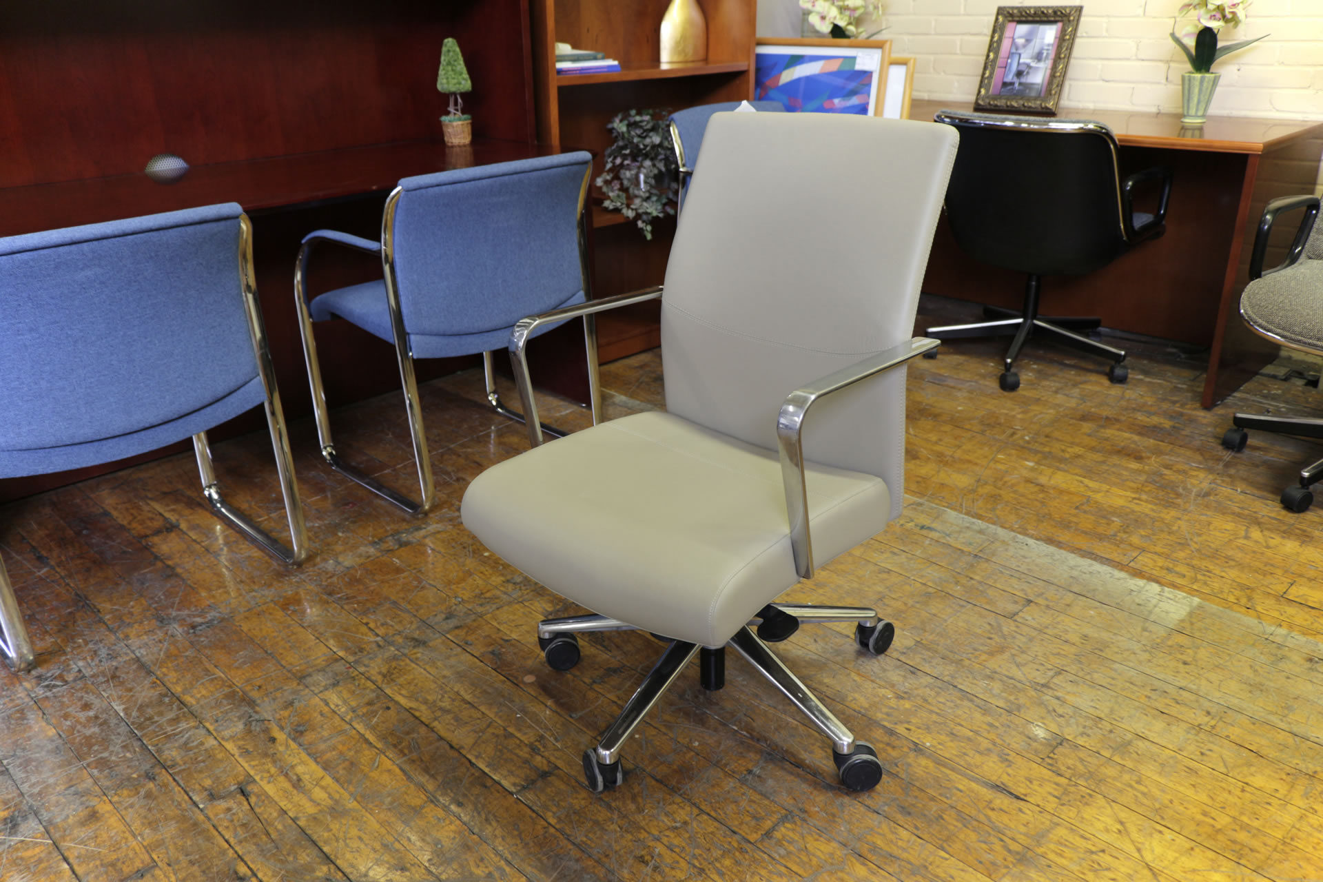 Keilhauer Reeve Leather Executive Chairs
