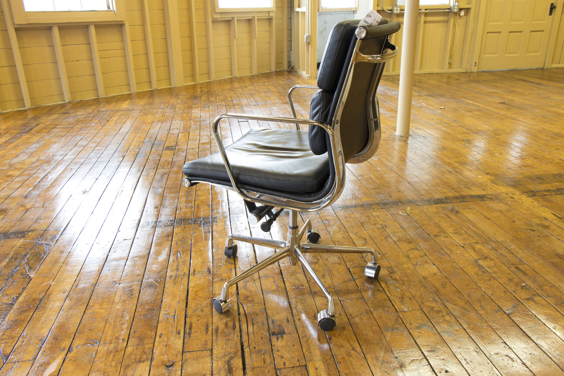 Eames Aluminum Group Style Soft Padded Mid-Back Black & Chrome Chairs