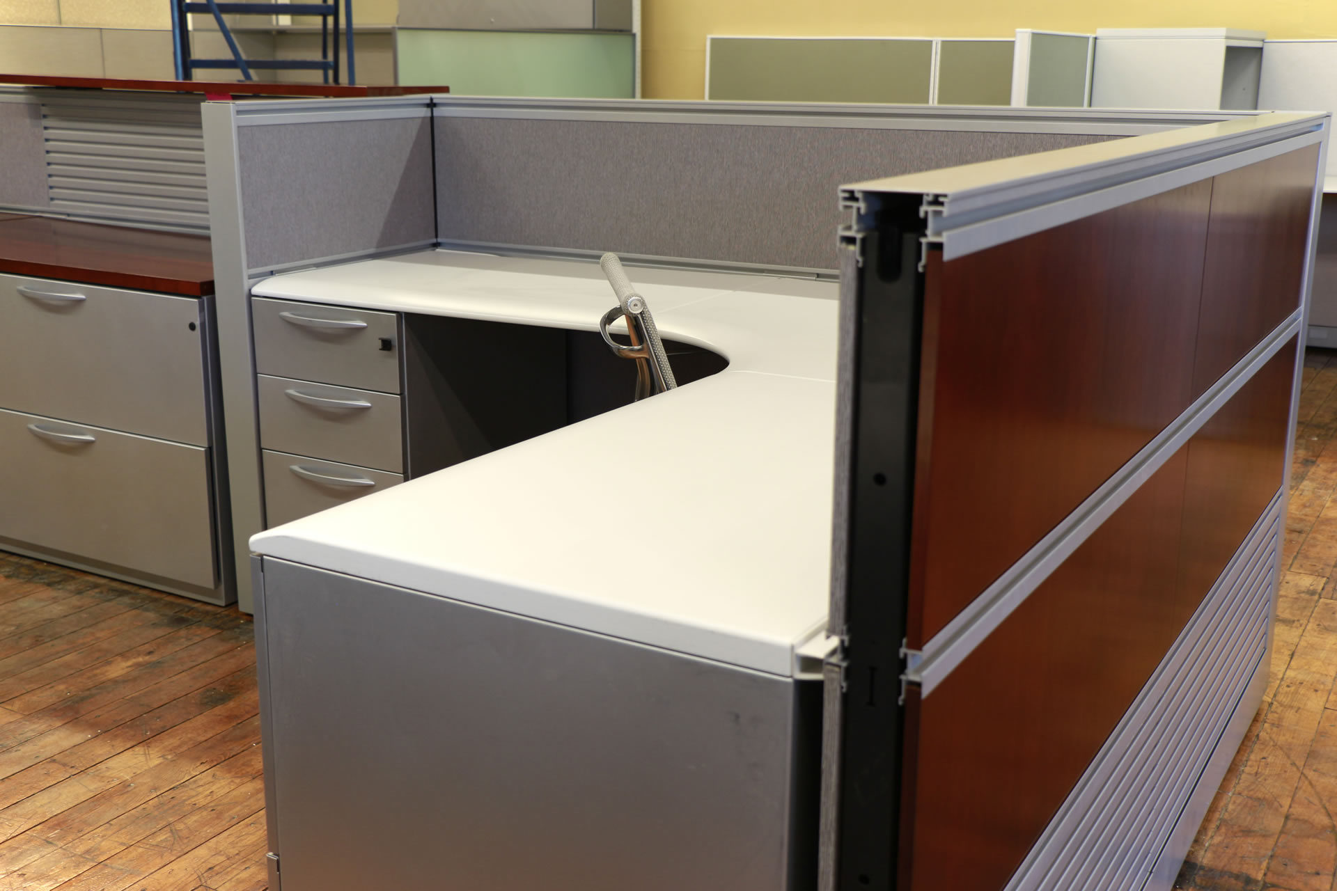 Kimball Cetra 6′ x 6′ Cubicles Cherry Panels with Beige & Metallic Trim