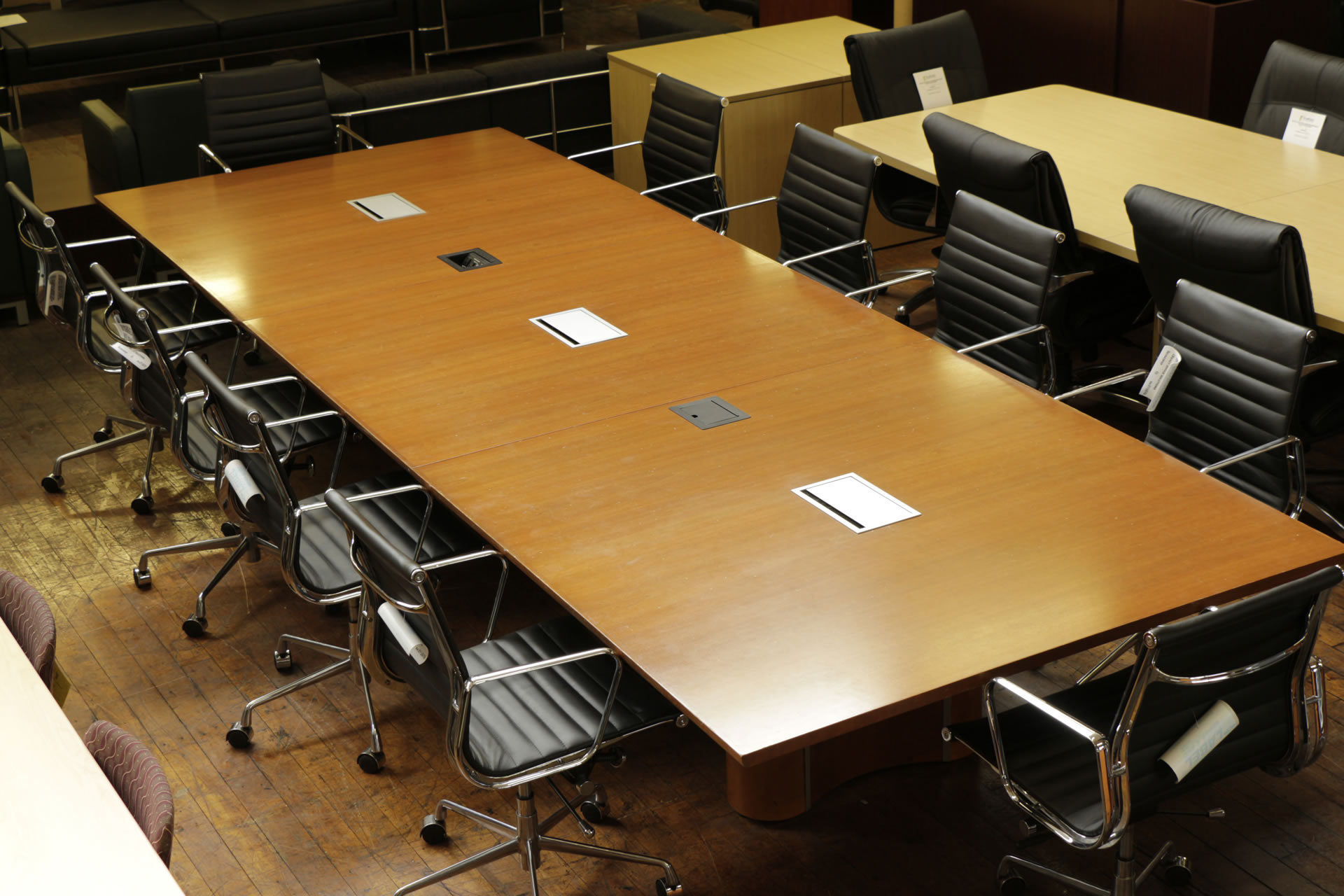 Knoll Propeller Cherry 14′ x 5′ Conference Table with TeleData