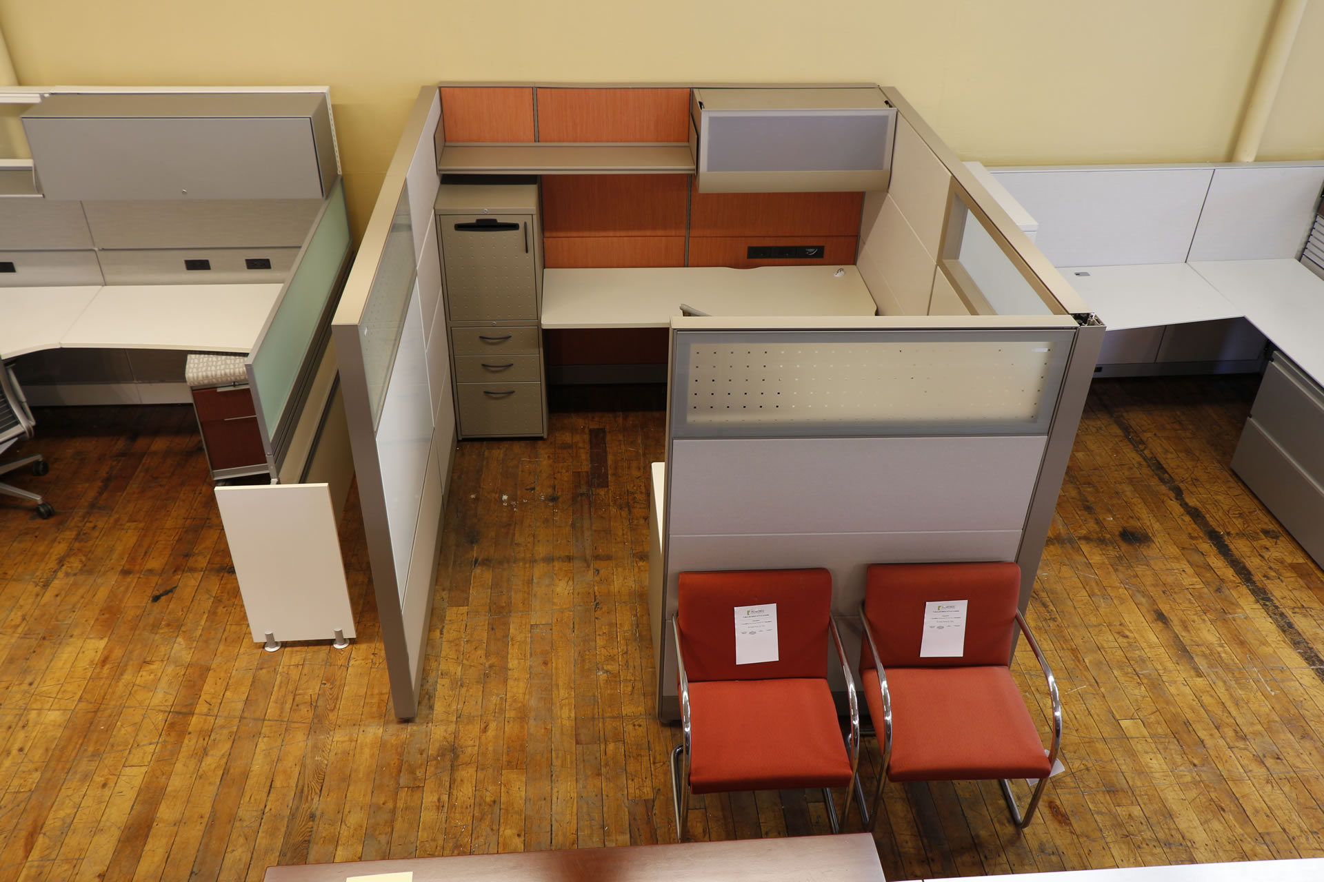 Teknion TOS 8′ x 7′ Cubicles With Glass Panels