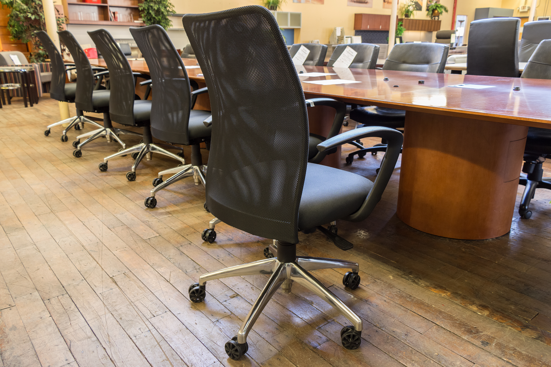 peartreeofficefurniture_peartreeofficefurniture_peartreeofficefurniture_compel-argos-conference-chairs-2.jpg