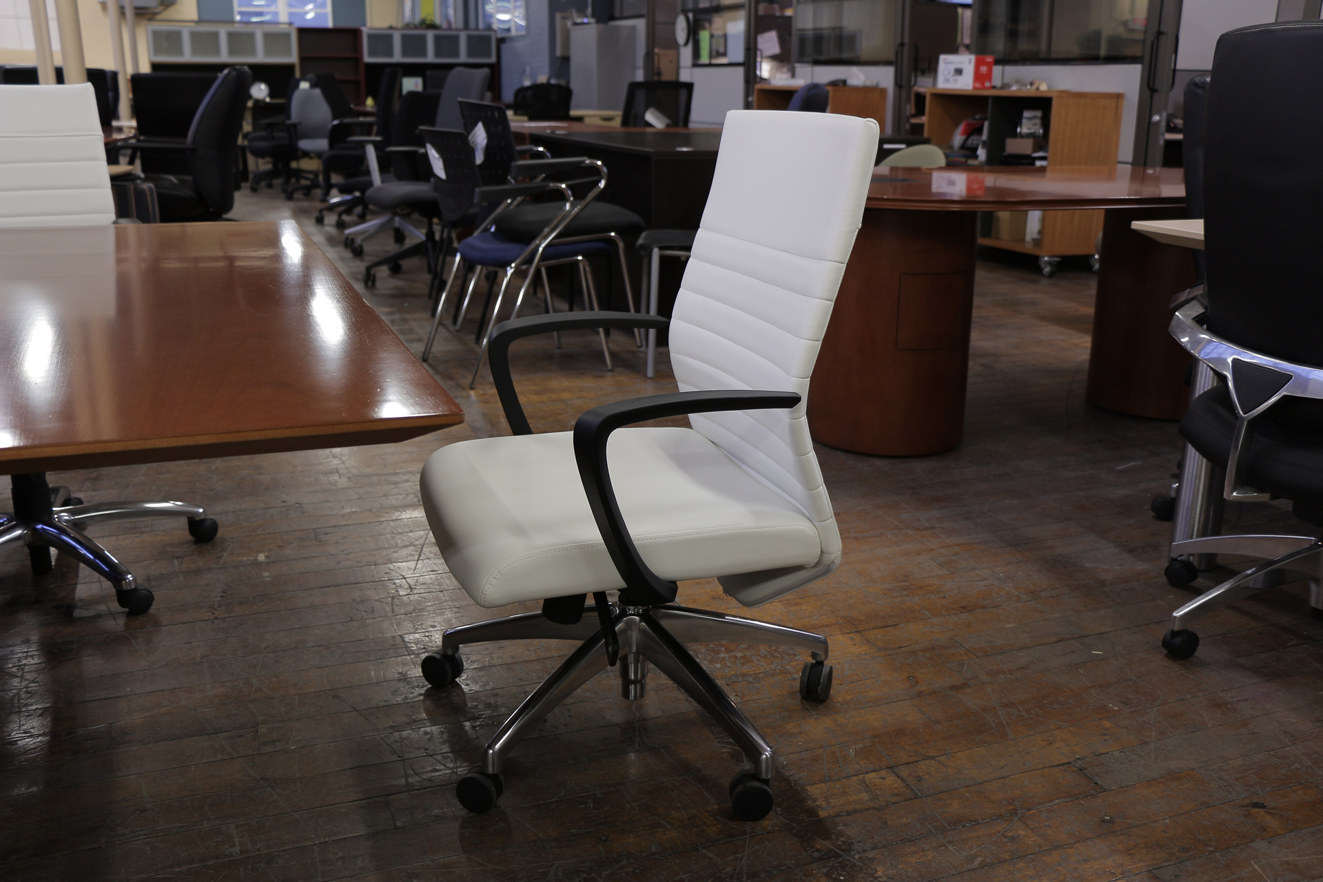 peartreeofficefurniture_peartreeofficefurniture_peartreeofficefurniture_compel-maxim-chairs-5.jpg