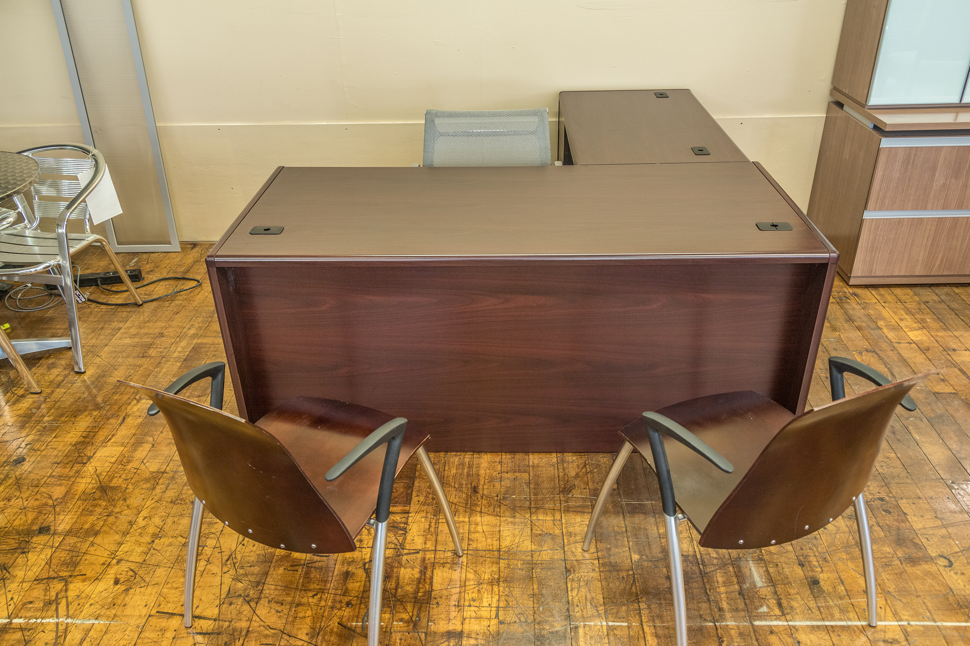 hon cherry laminate l-desks • peartree office furniture