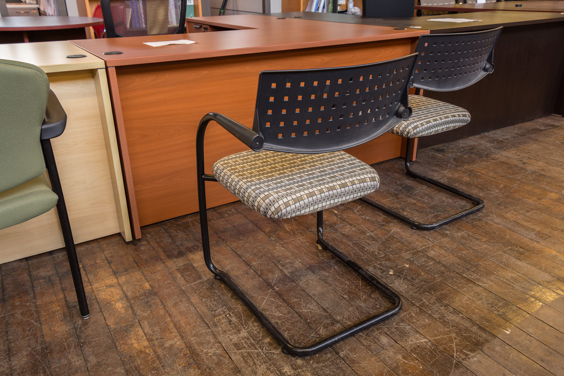 Vitra Visavis Stacking Cantilever Guest Chairs