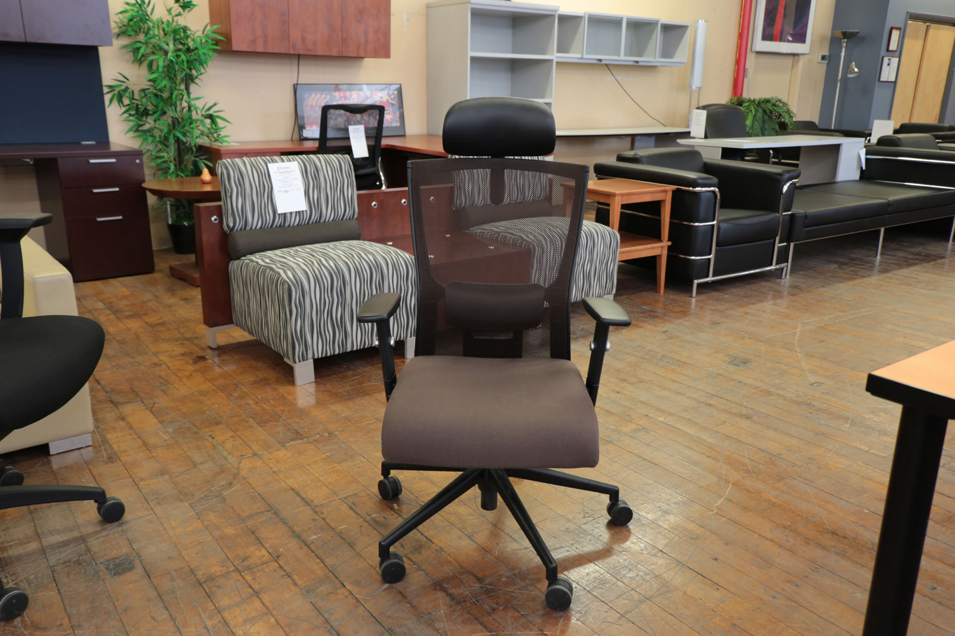Full Featured Brown Mesh Back Executive Chair With