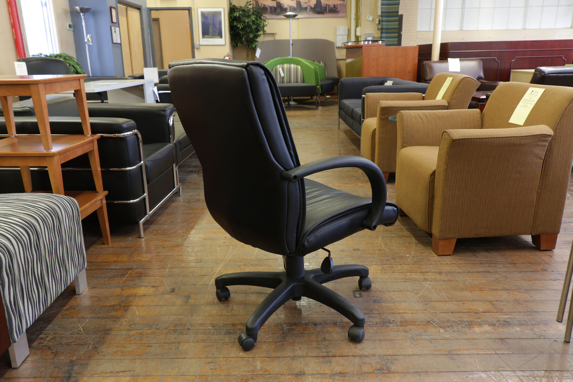 Steelcase 319 Executive Mid-Back Black Leather Task Chair