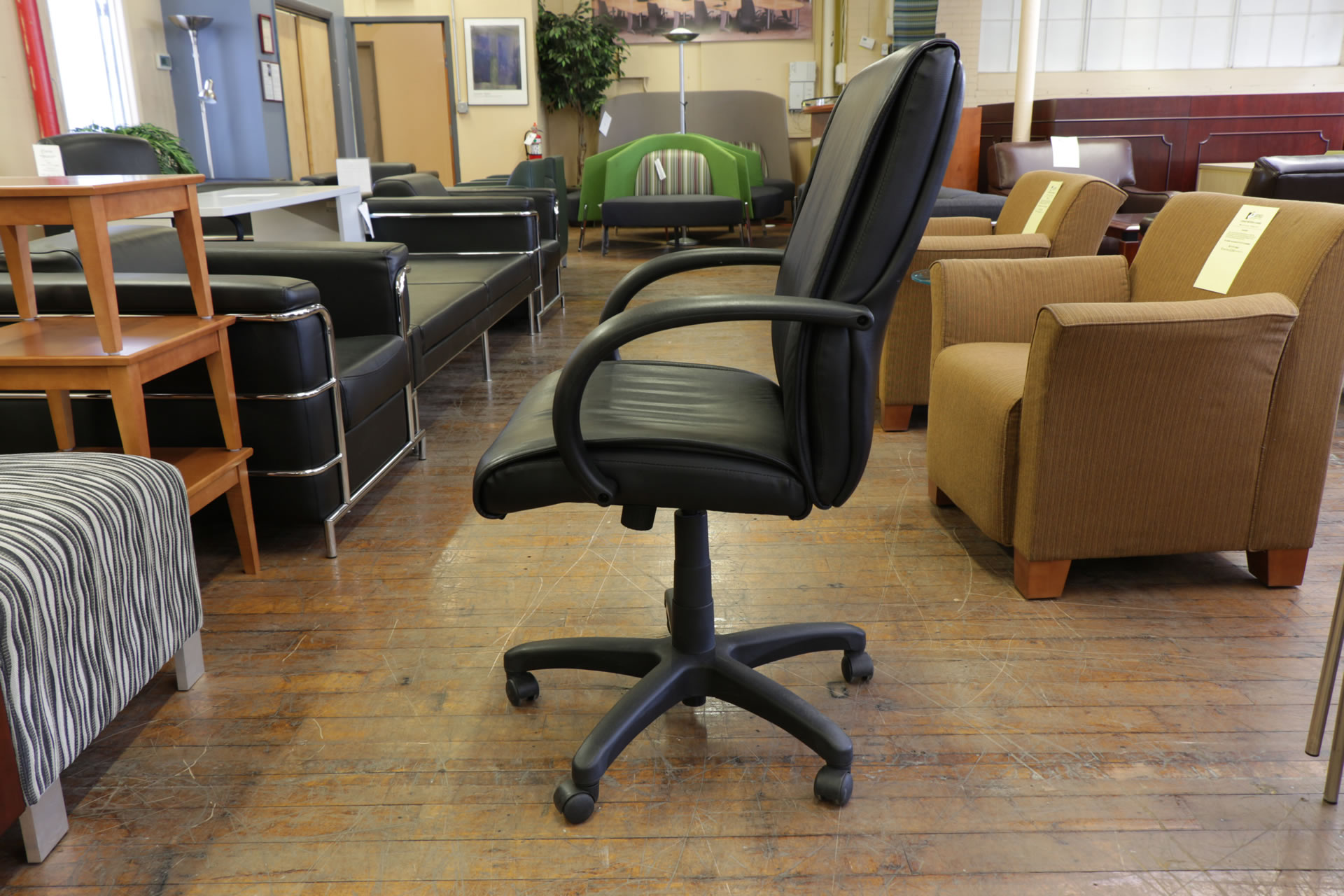 Steelcase 319 Executive Mid Back Black Leather Task Chair