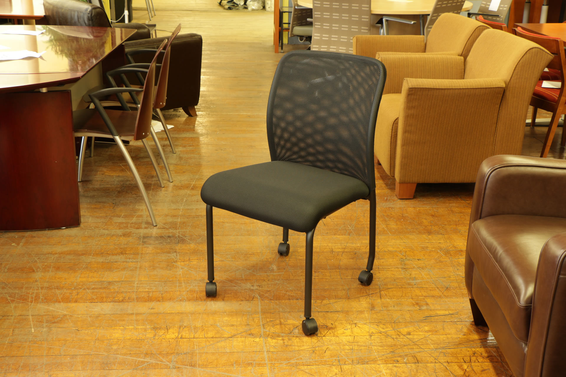 Armless Mesh Back Guest Chair with Casters