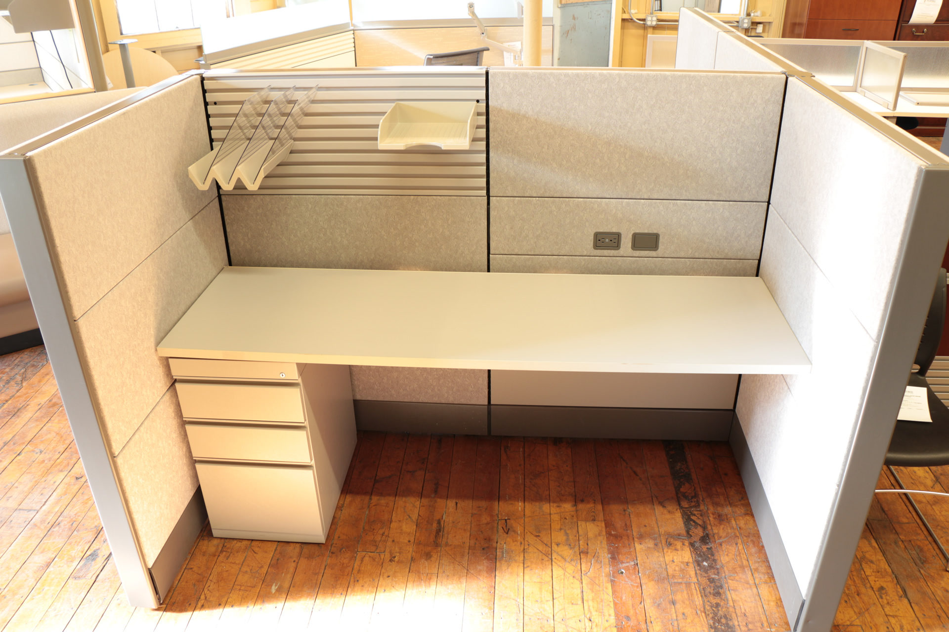 Herman Miller Ethospace 6′ x 3′ Call Center Cubicles