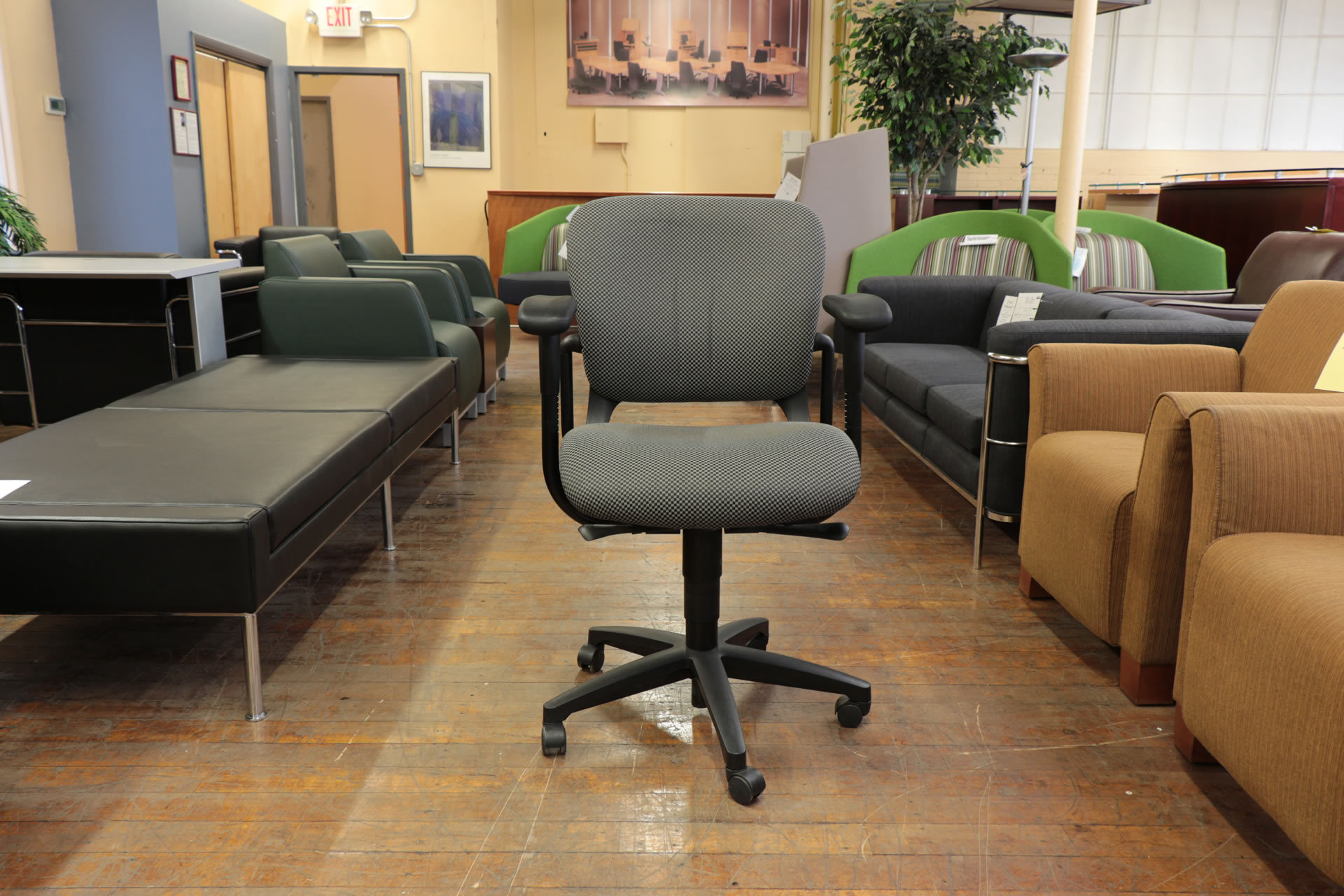 Hon Mobius Delux Task Chairs