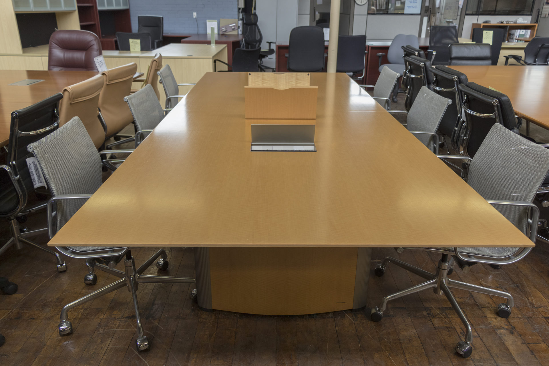 Nienkamper Vox 11′ x 4.5′ Maple Taper Edge Rectangular Conference Table with Forums