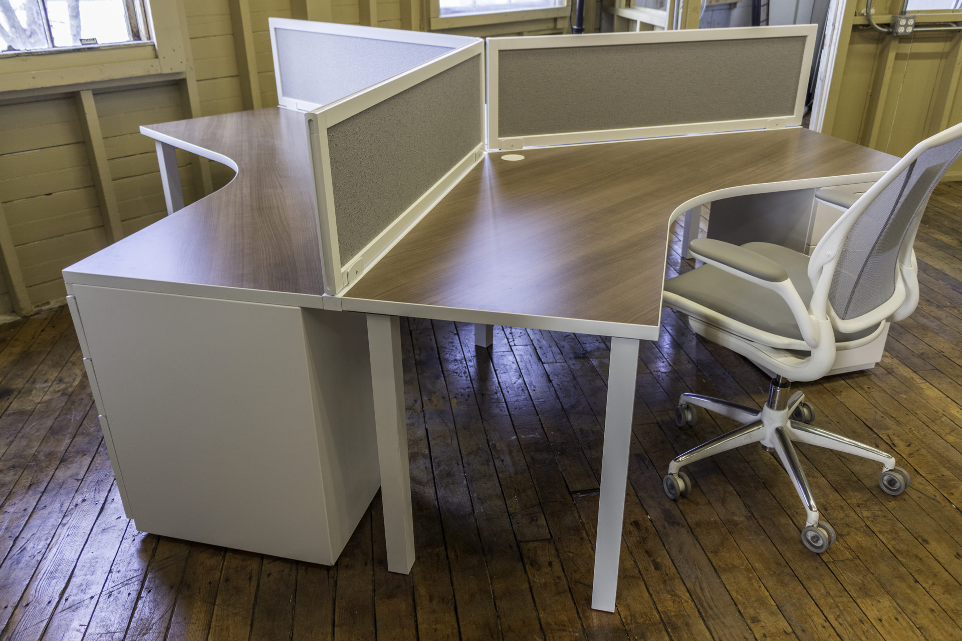peartreeofficefurniture_peartreeofficefurniture_peartreeofficefurniture_new-peartree-custom-3-pod-workstations-3.jpg