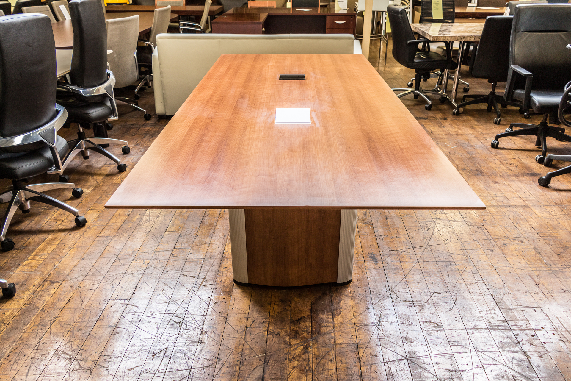 peartreeofficefurniture_peartreeofficefurniture_peartreeofficefurniture_nienkamper-vox-8-x-3-5-cherry-laminate-tapered-edge-conference-table.jpg