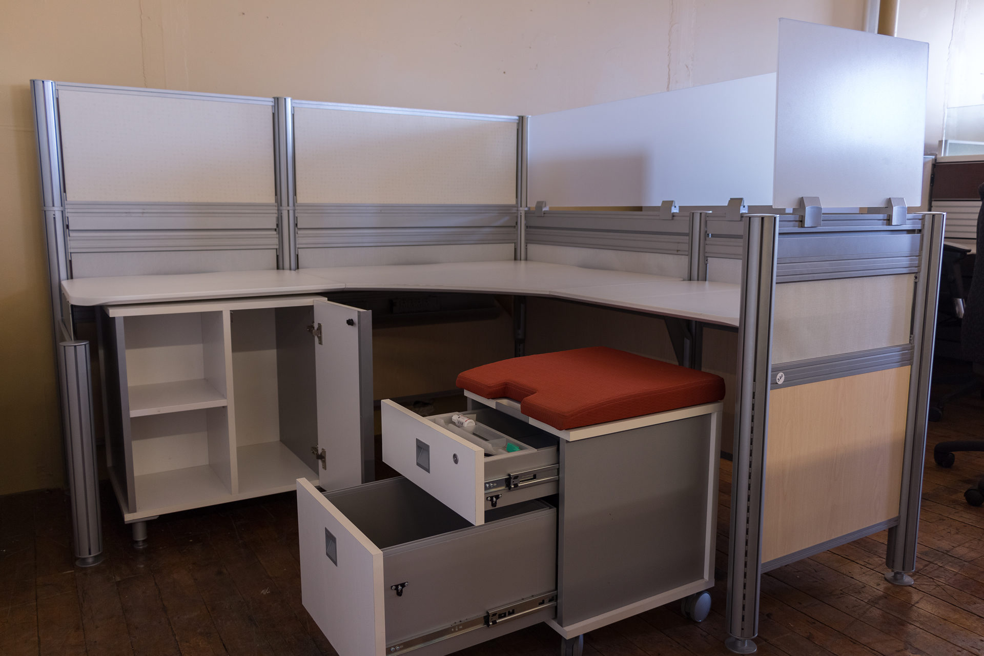 Tayco Up 6′ x 6′ Cubicles