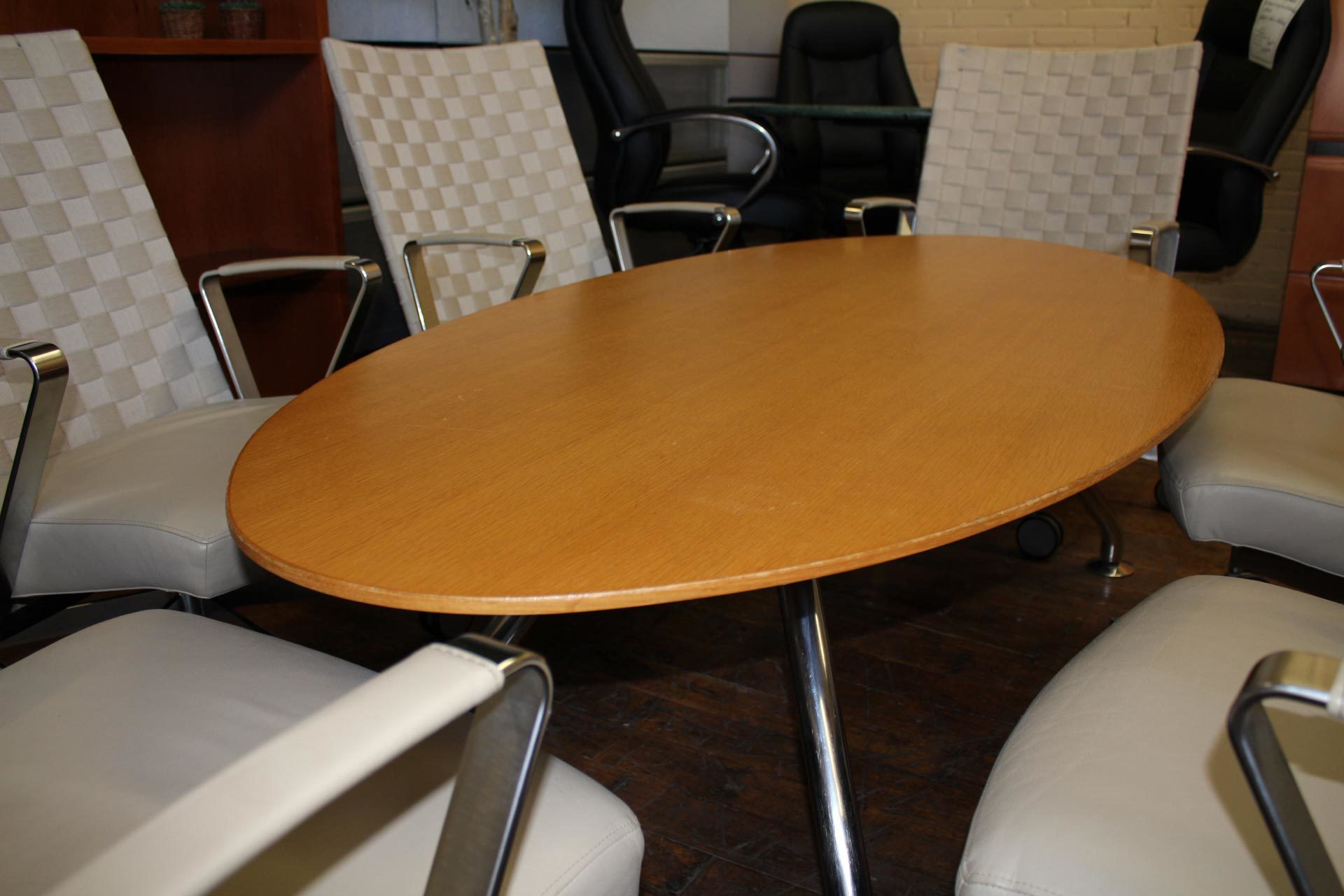 Davis Elliptical Low Meeting Table