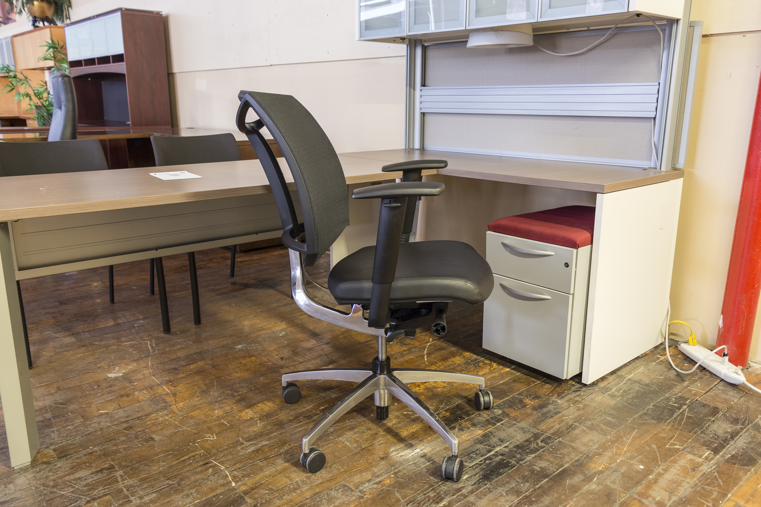 Teknion Visio Synchro Tilt Mesh Back Leather Task Chairs Peartree Office Furniture