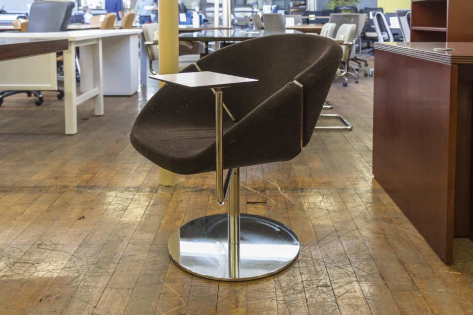 Davis Lipse Too Swivel Lounge Chairs with Tablet