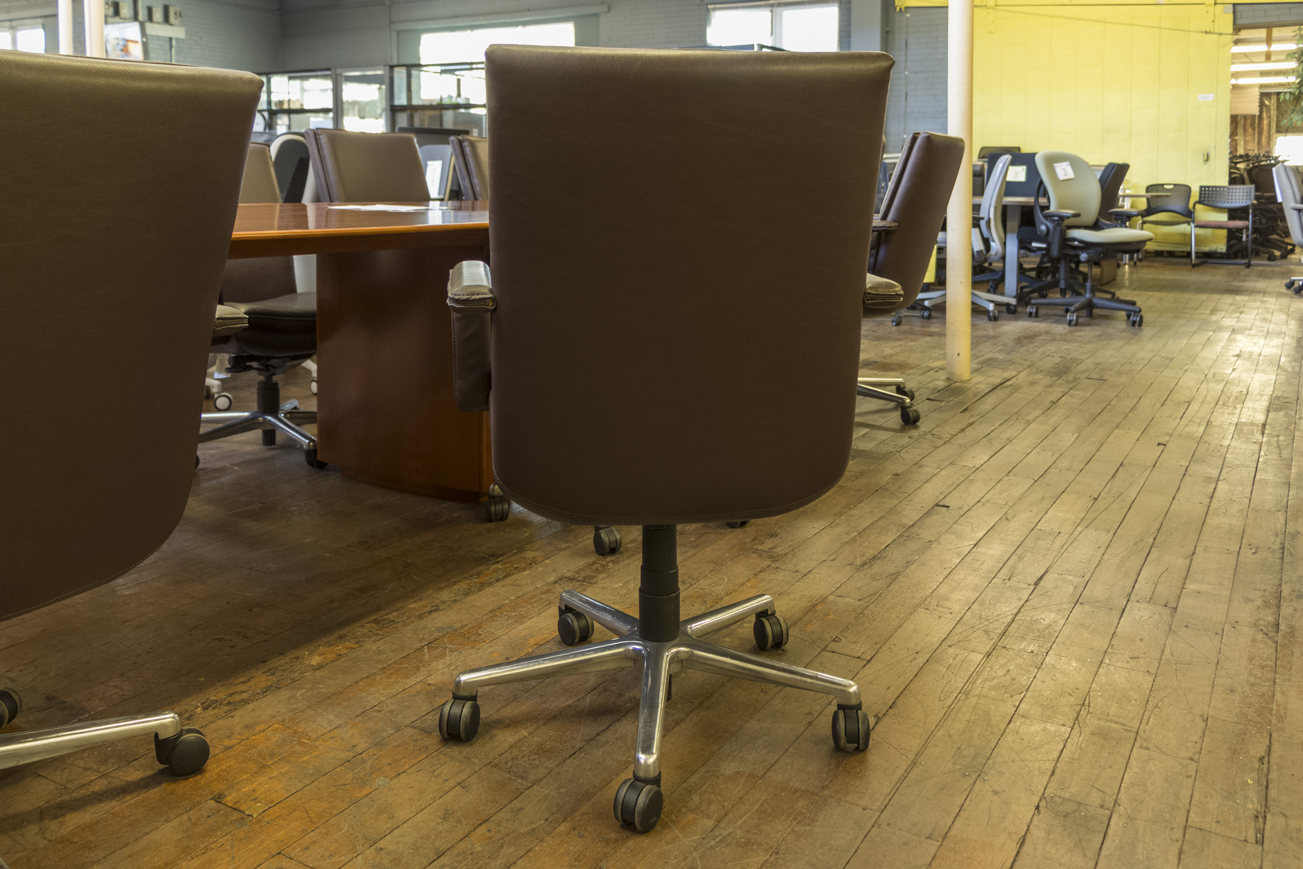 Strange Keilhauer Elite Mid Back Brown Leather Executive Chairs Caraccident5 Cool Chair Designs And Ideas Caraccident5Info