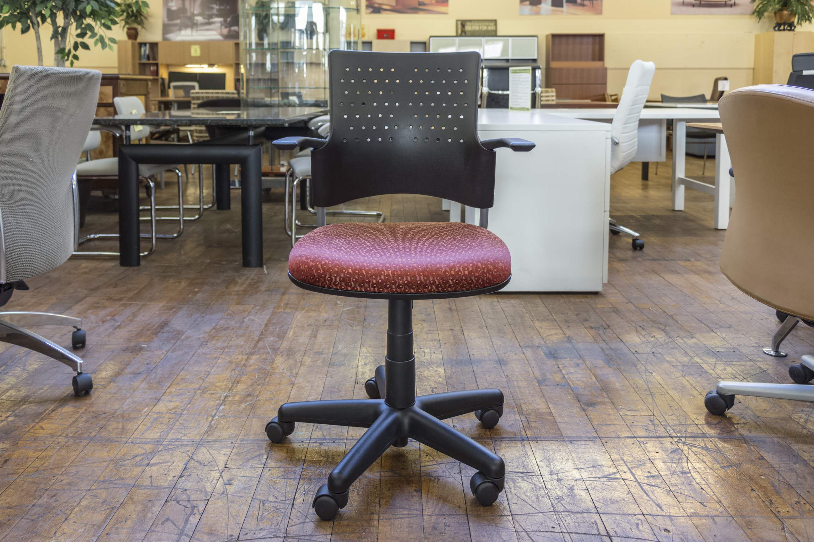 buzz seating snap chairs u2022 peartree office furniture rh peartreeofficefurniture com Pear Tree Inn Peach Tree