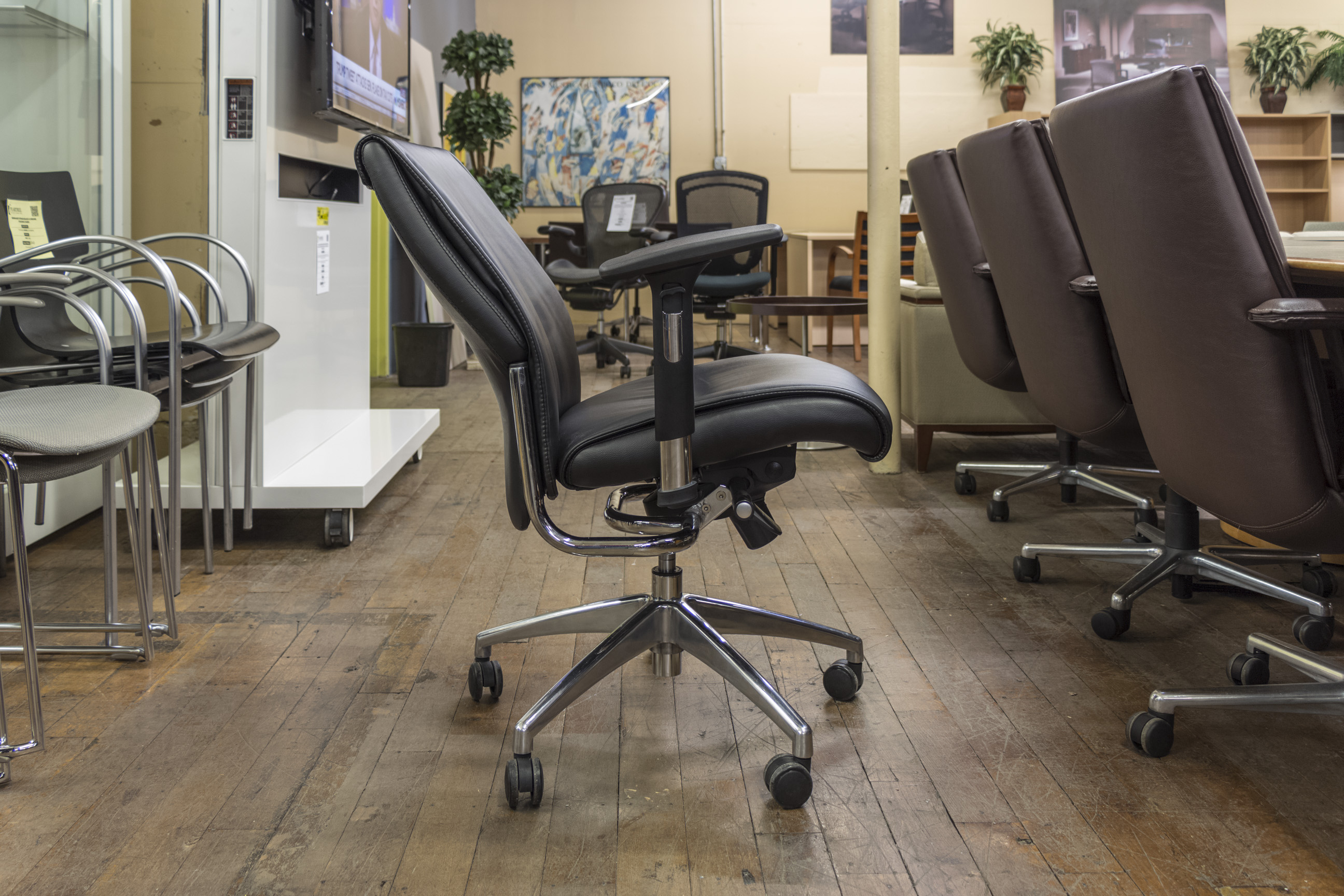 turnstone black leather chrome executive chairs peartree office